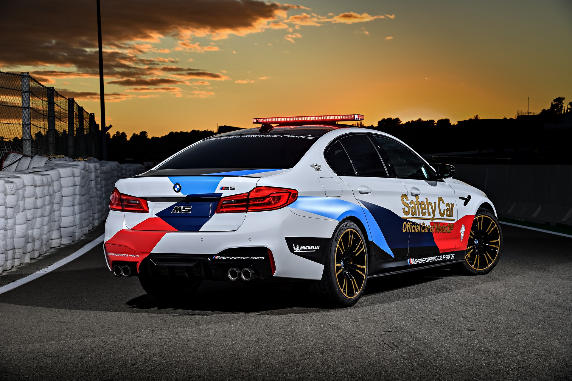 BMW_M5_Safety_Car_0013