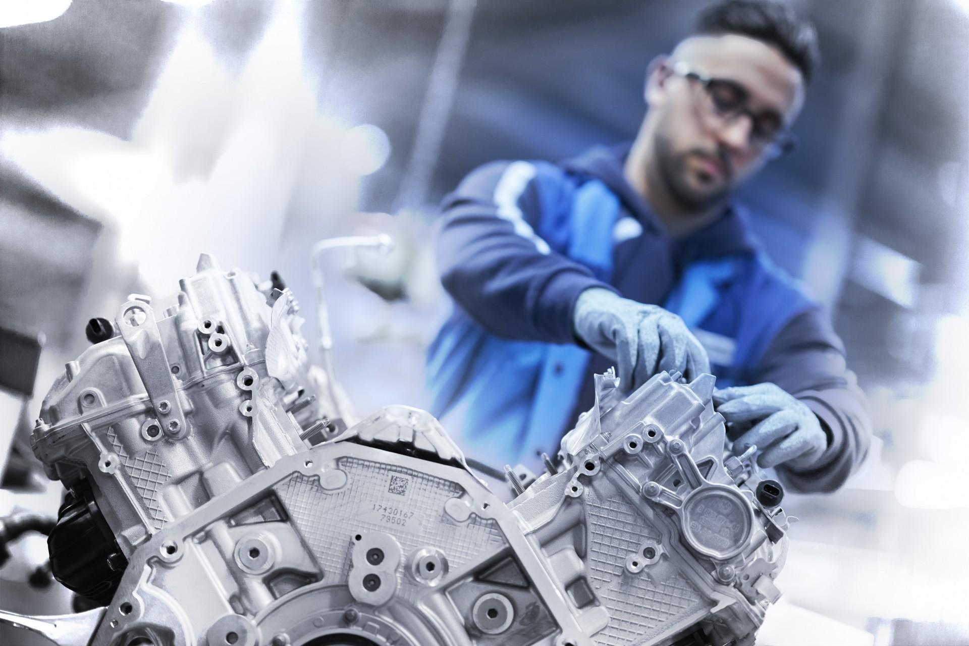 BMW V8 engine 1