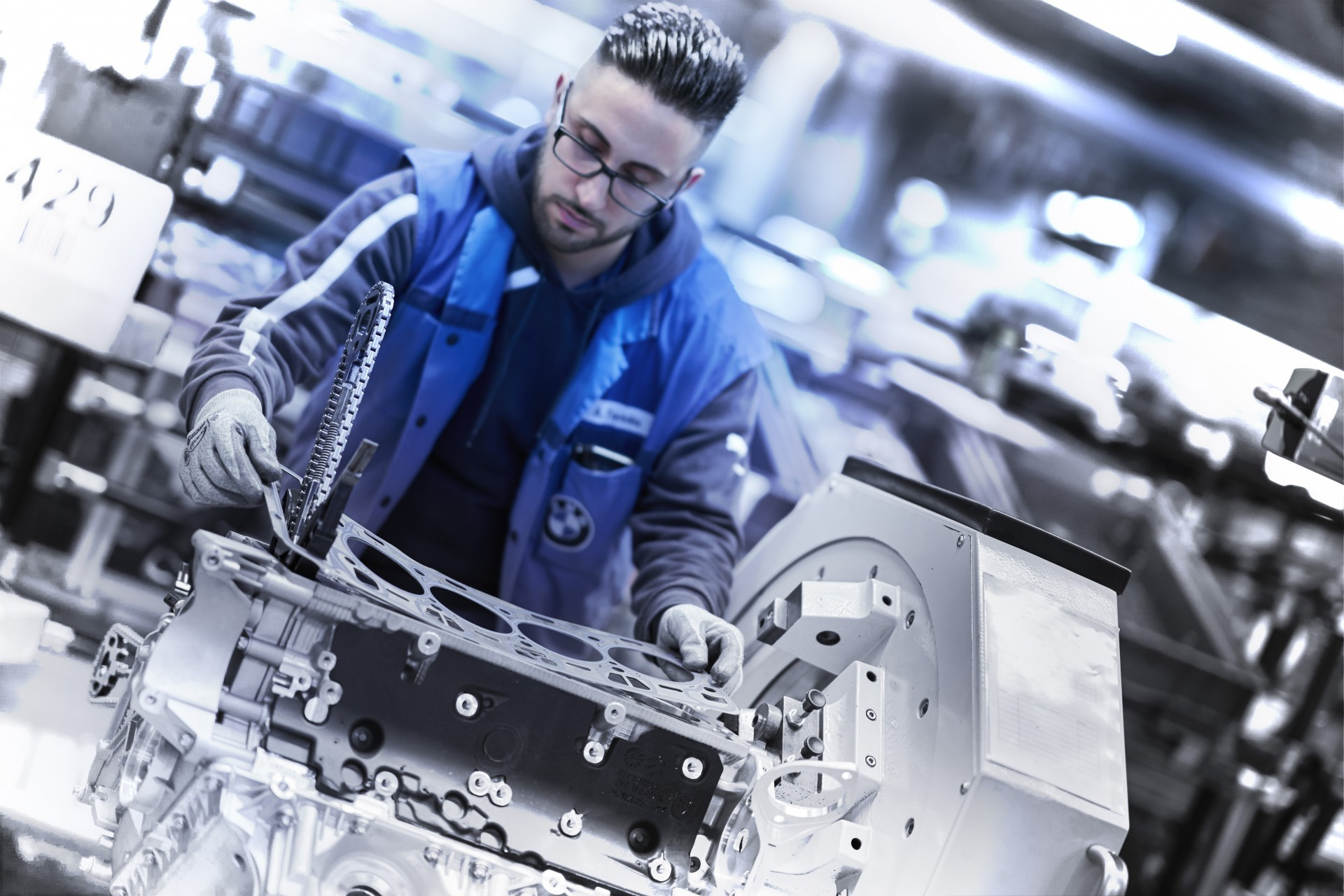 BMW V8 engine 11