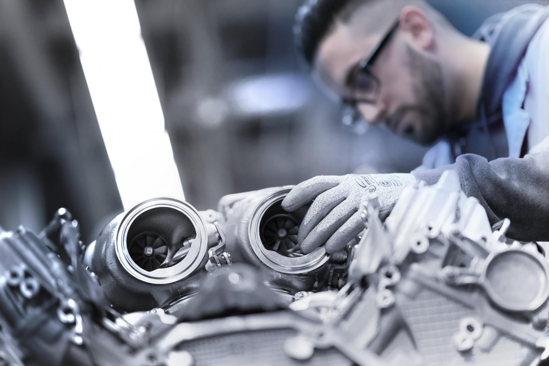 BMW V8 engine 4