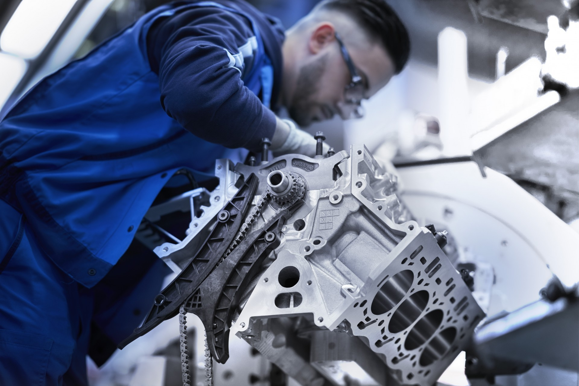 BMW V8 engine 5