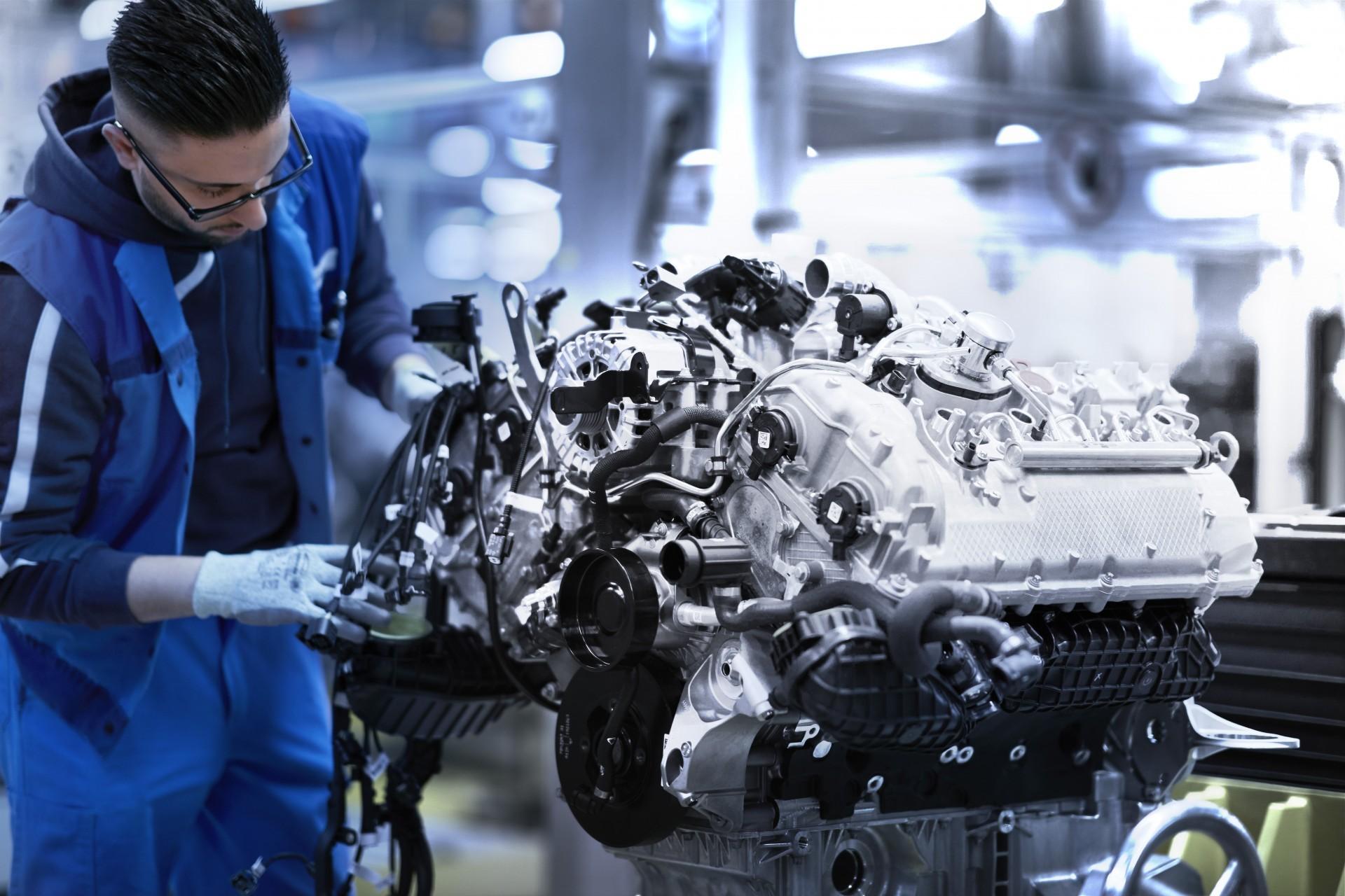 BMW V8 engine 6