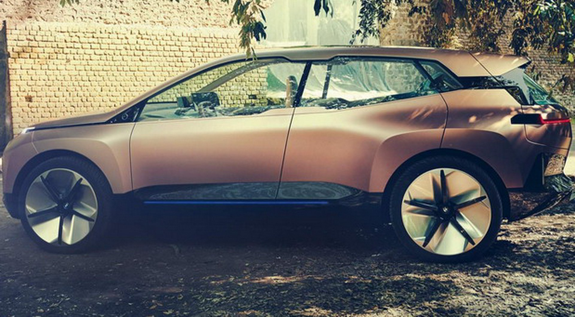BMW Vision iNEXT Concept leaked photos (5)
