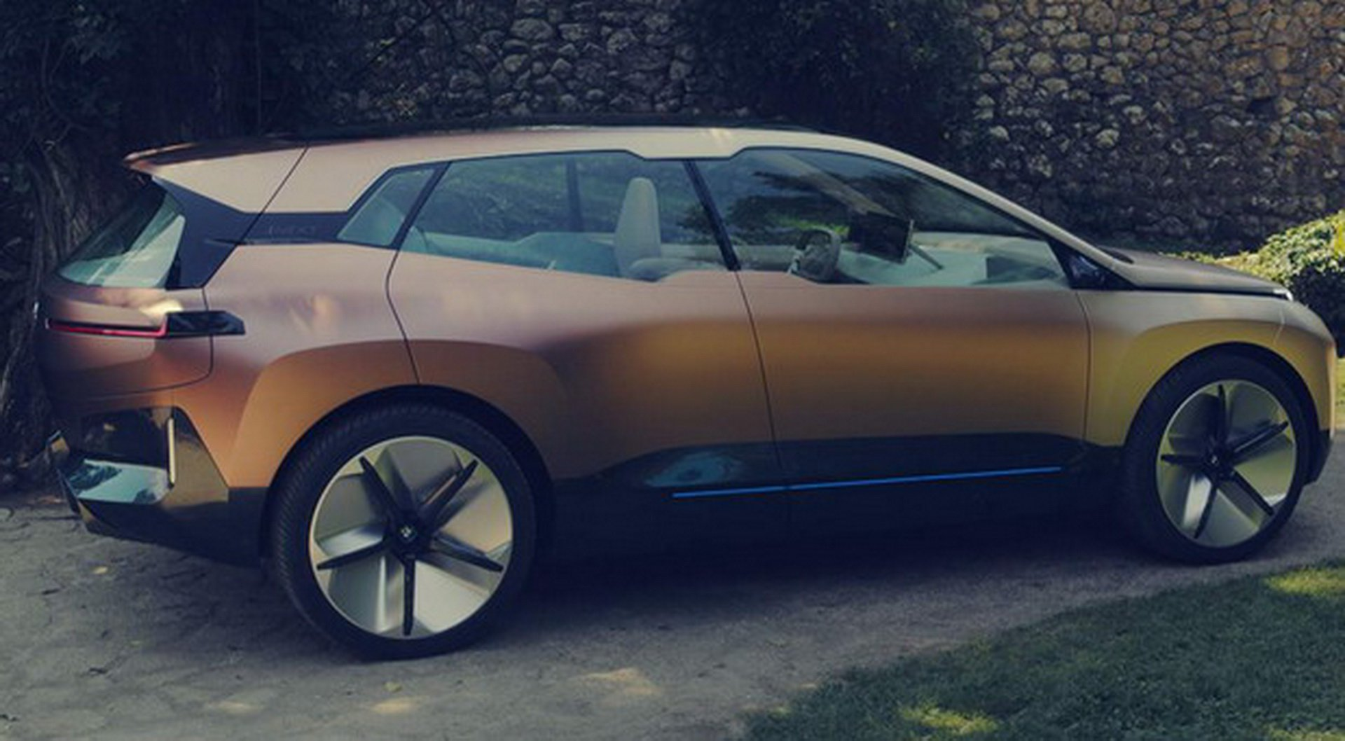 BMW Vision iNEXT Concept leaked photos (6)