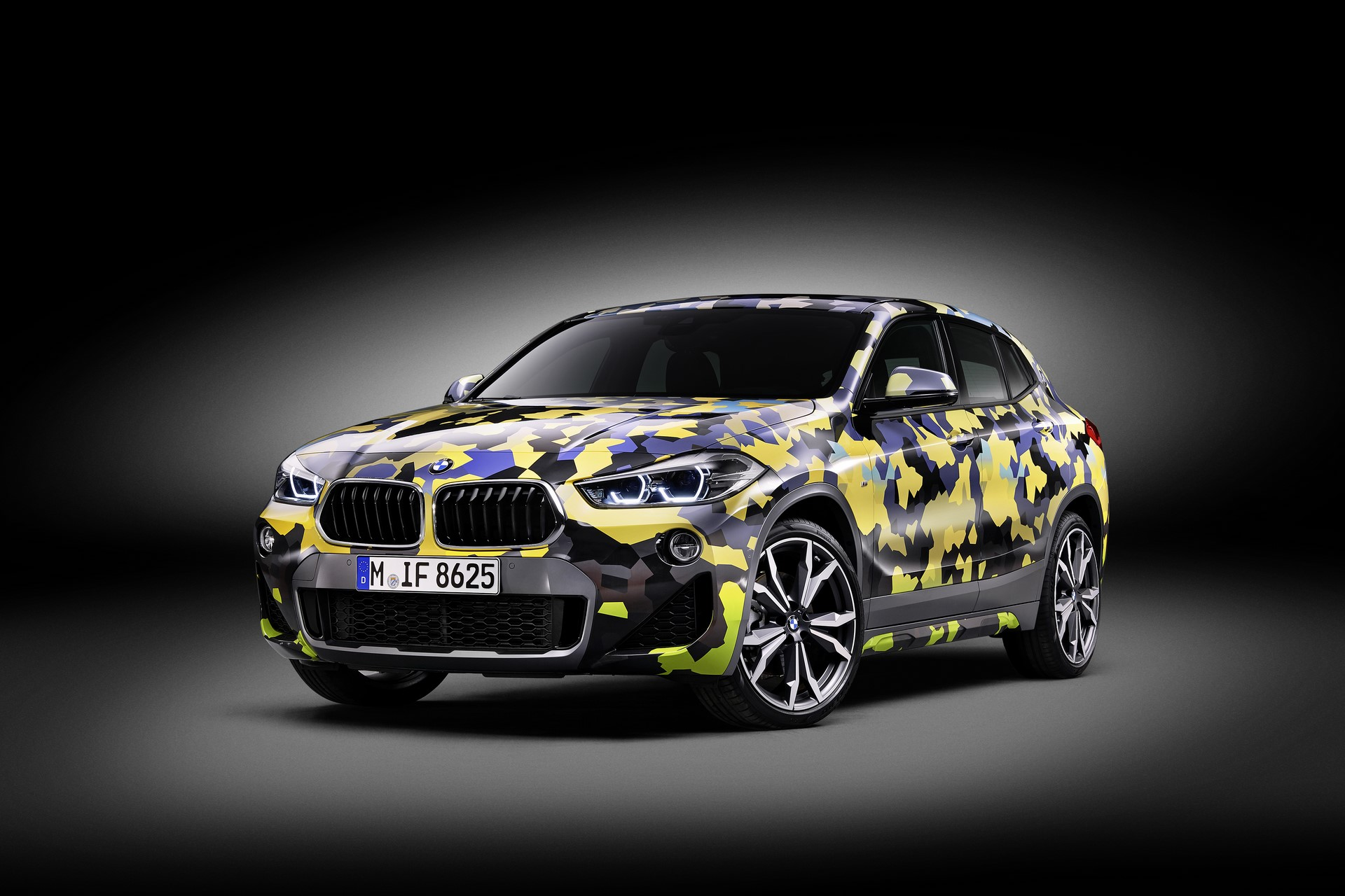 BMW X2 Digital Camo (3)