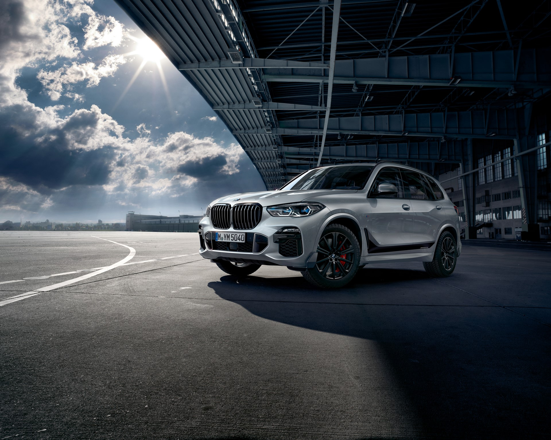 BMW X5 with M Performance parts (1)