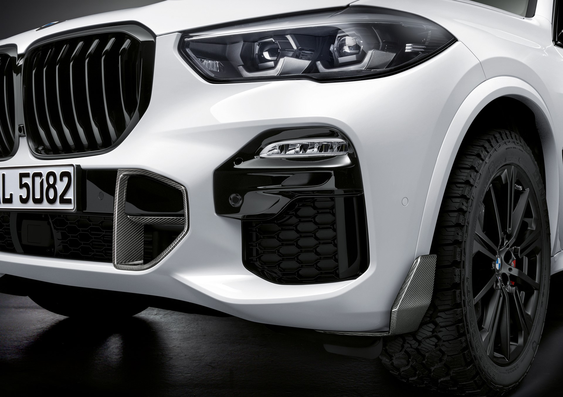 BMW X5 with M Performance parts (5)