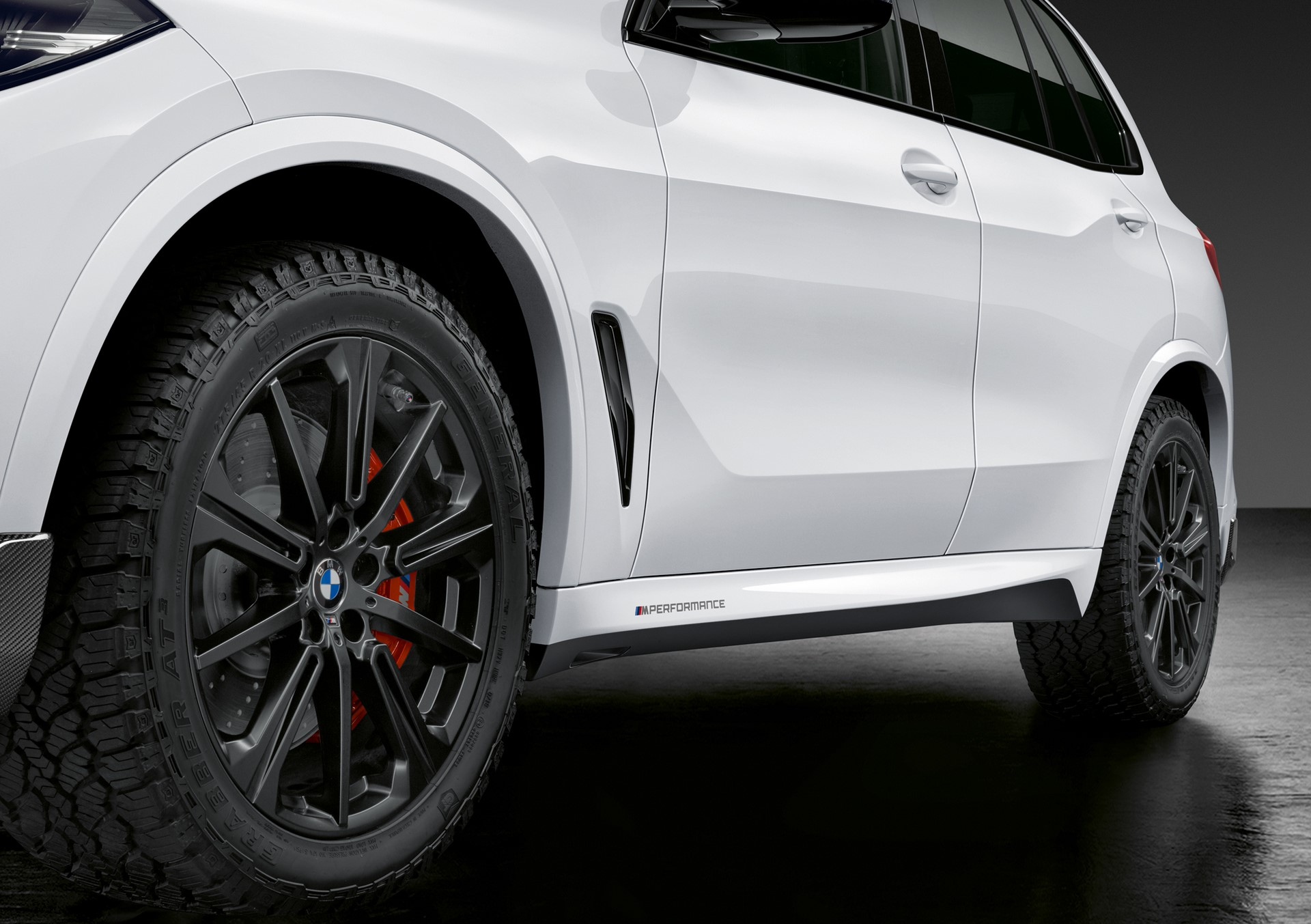 BMW X5 with M Performance parts (6)