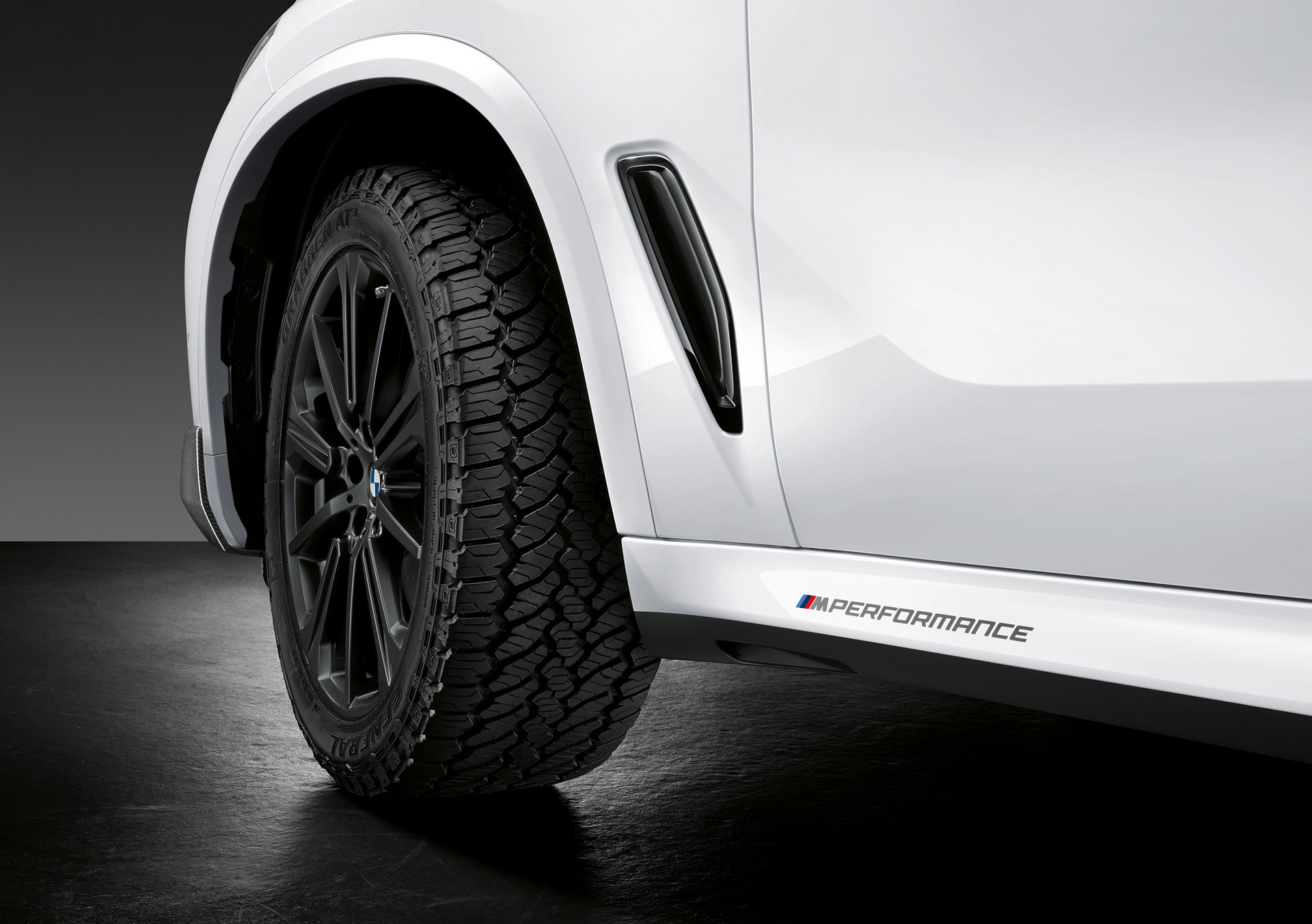 BMW X5 with M Performance parts (7)