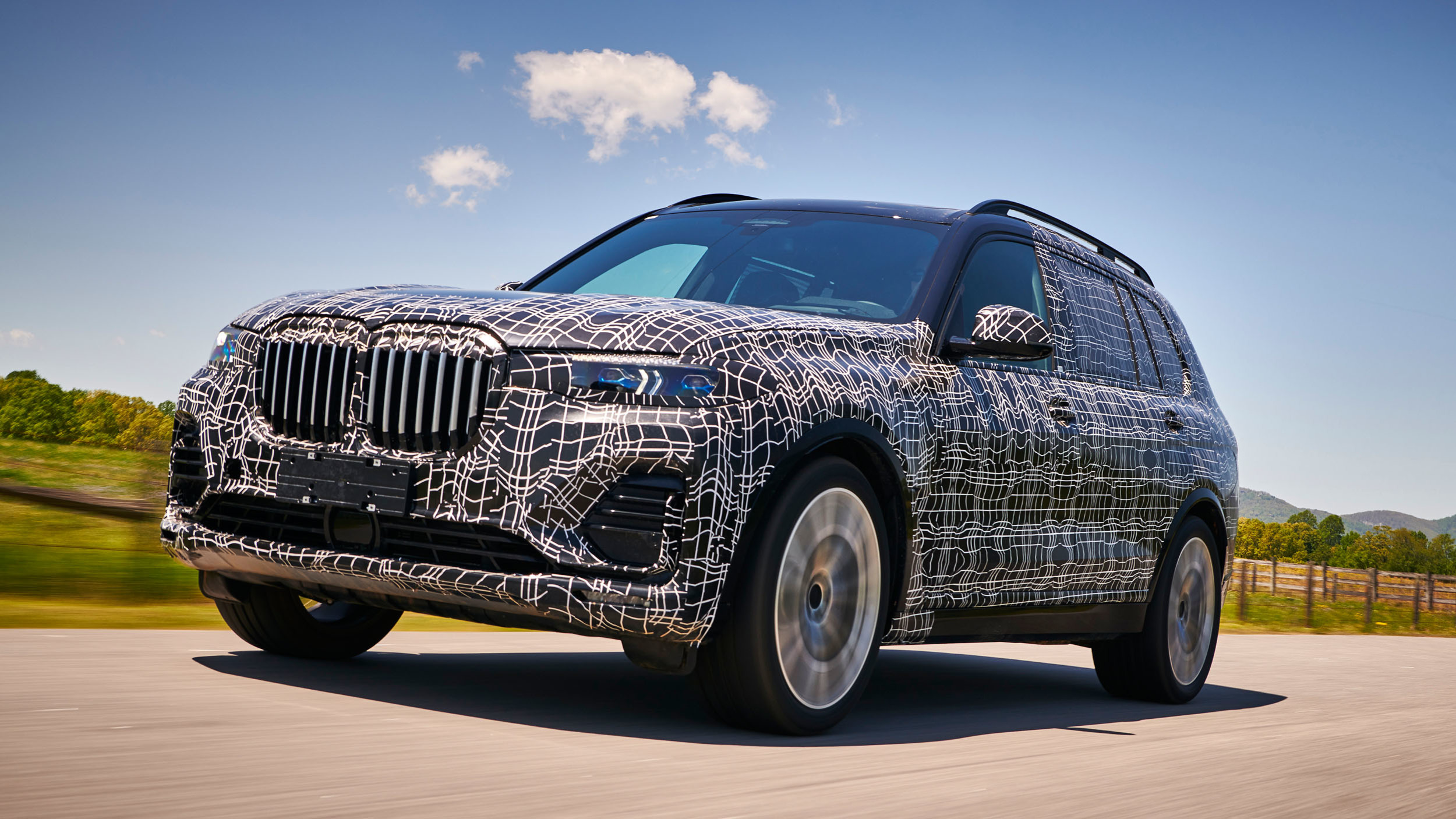 BMW_X7_official_spy_0001
