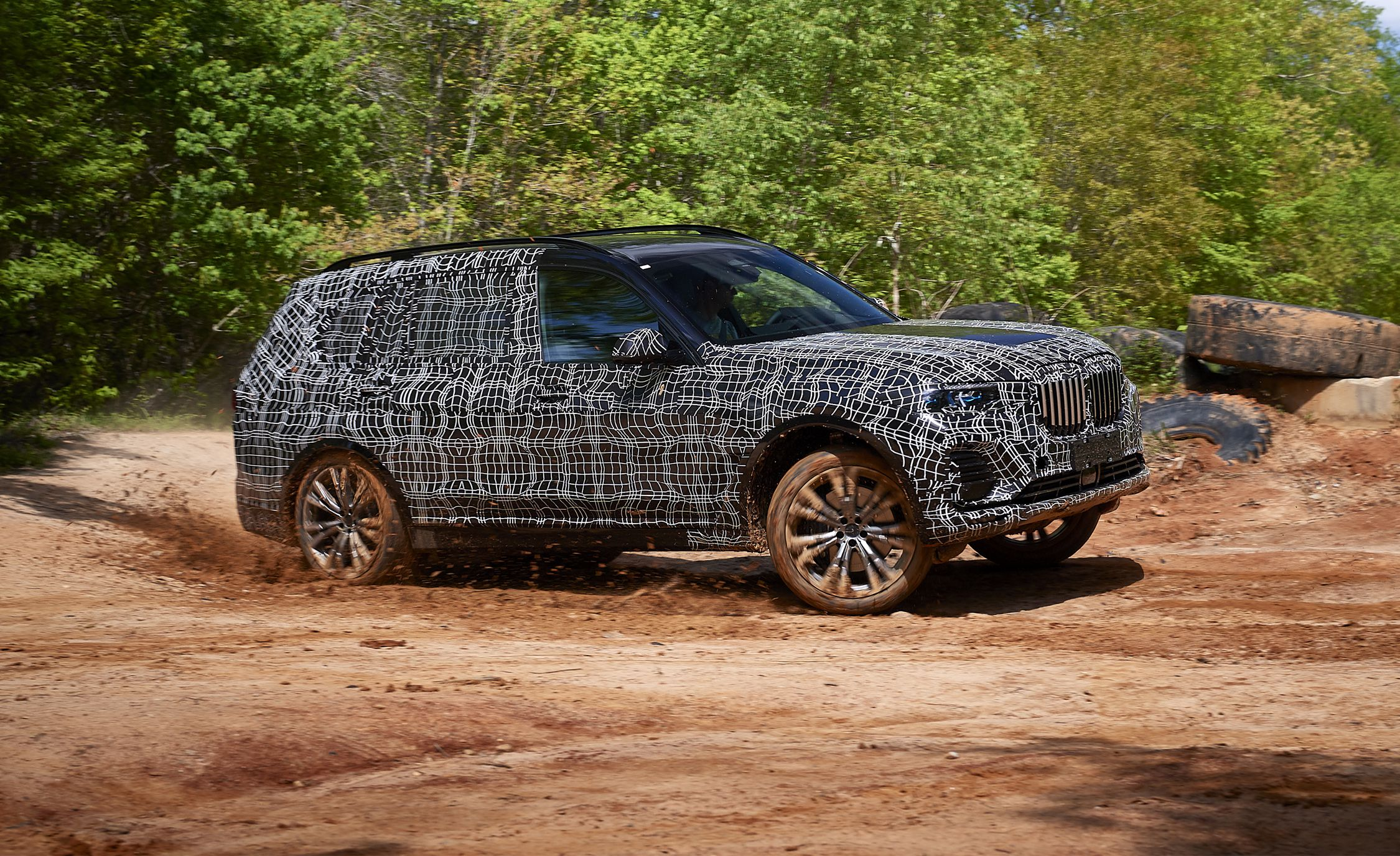 BMW_X7_official_spy_0009