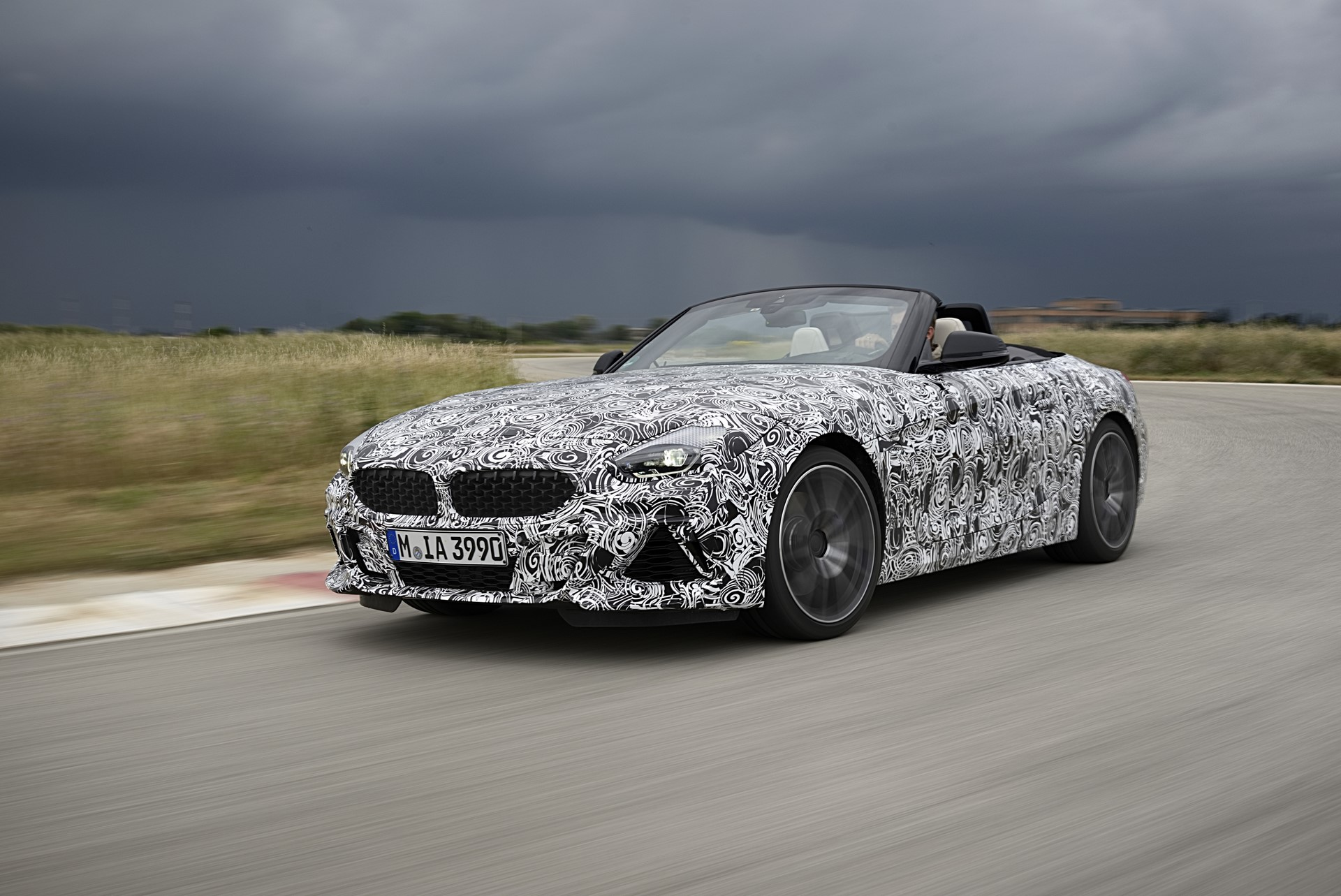 BMW Z4 M40i 2019 official spy photos (10)