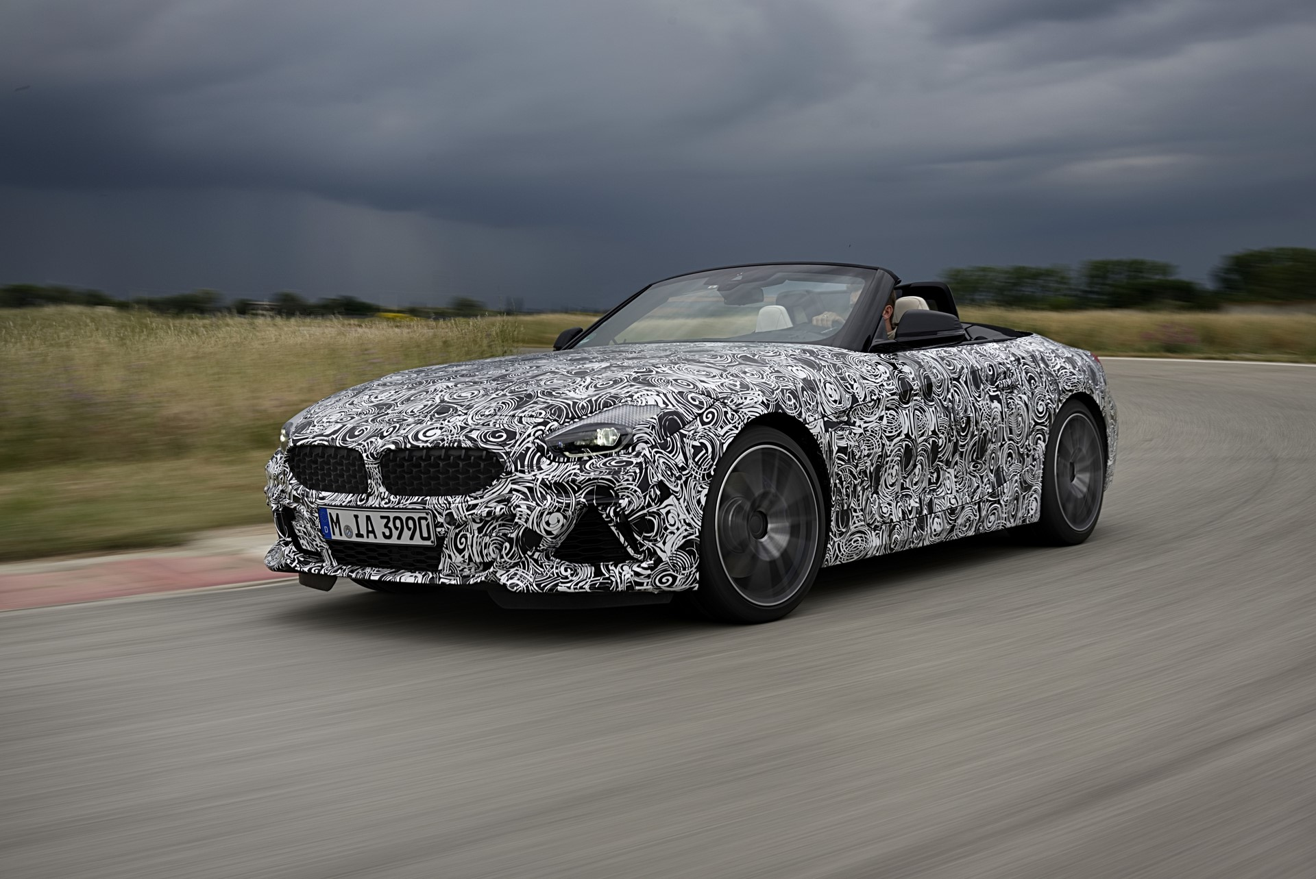 BMW Z4 M40i 2019 official spy photos (11)