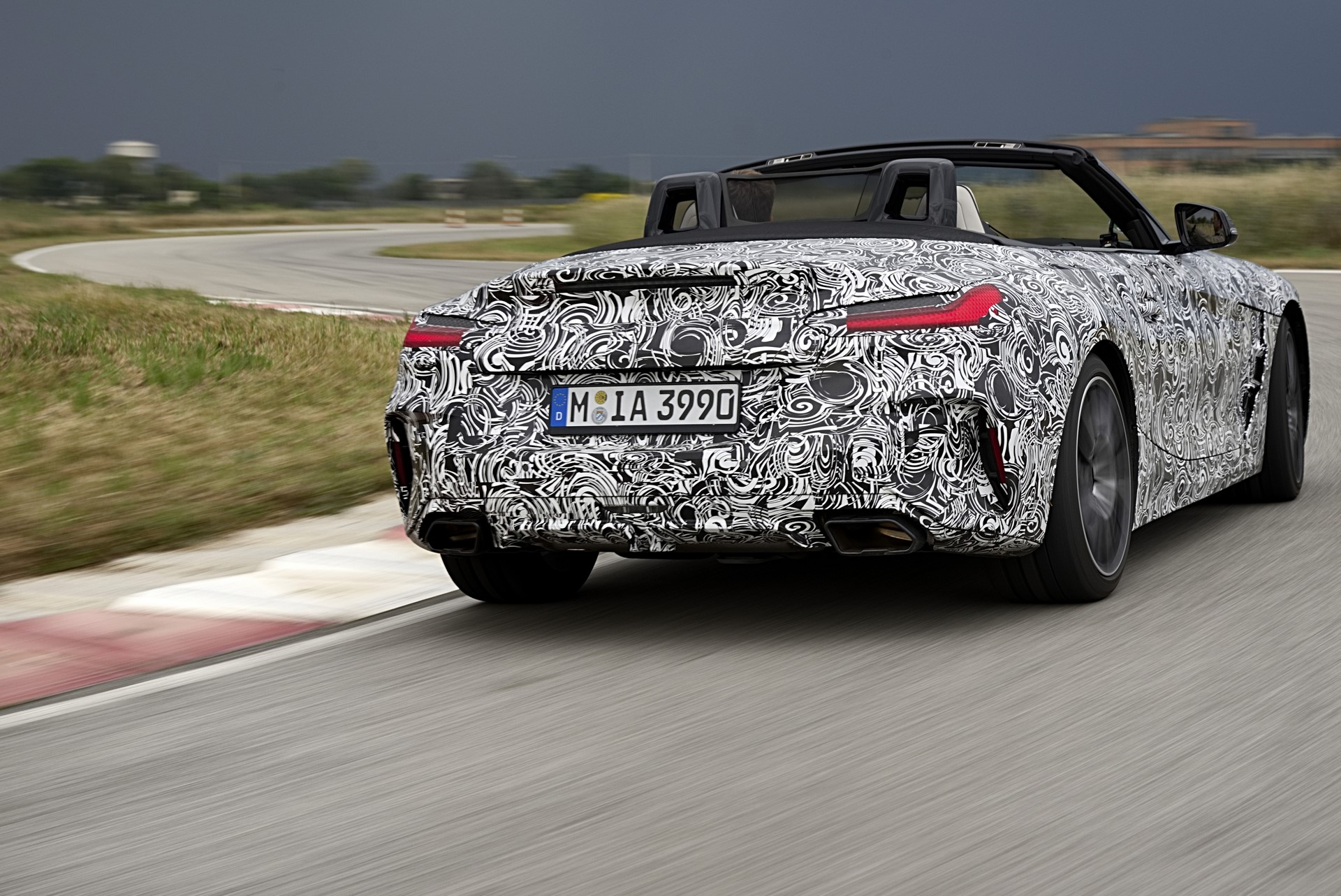 BMW Z4 M40i 2019 official spy photos (13)