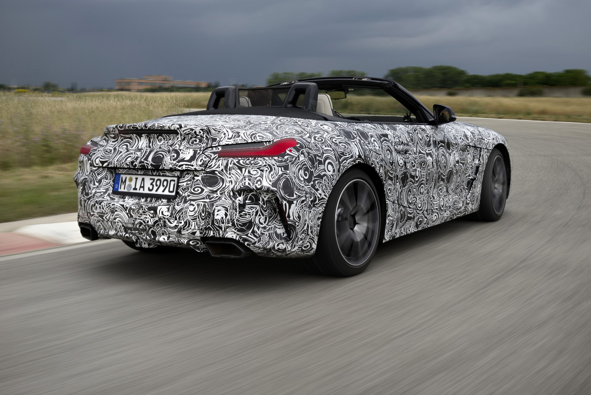 BMW Z4 M40i 2019 official spy photos (14)