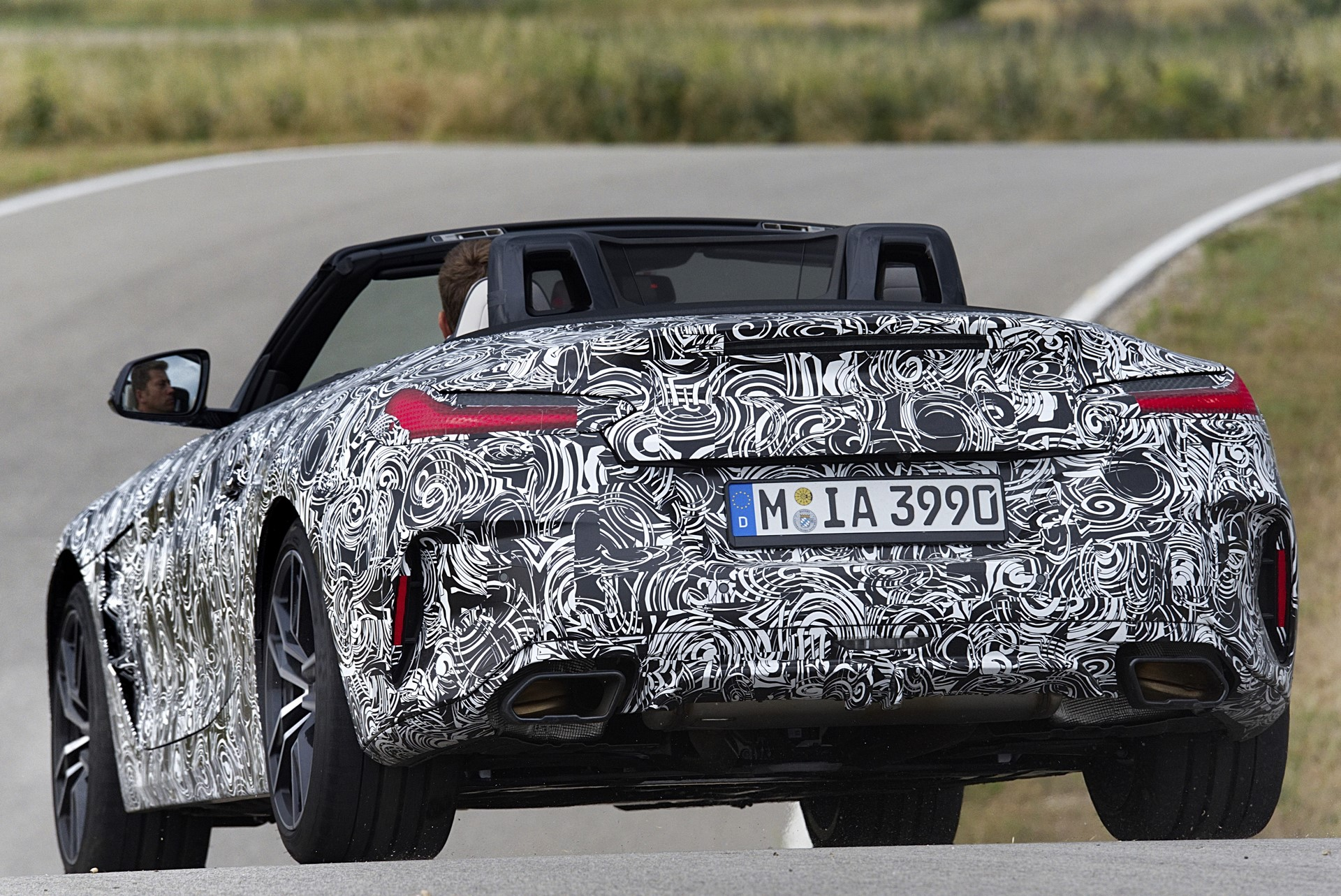 BMW Z4 M40i 2019 official spy photos (16)
