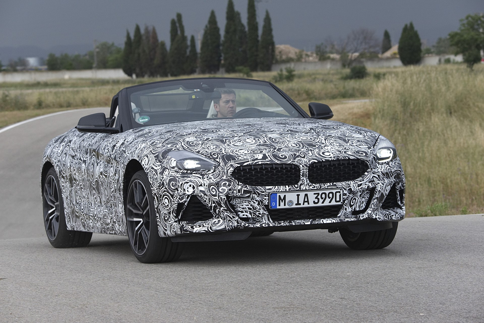 BMW Z4 M40i 2019 official spy photos (17)