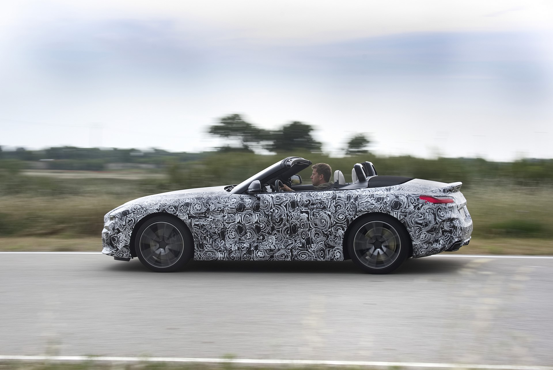 BMW Z4 M40i 2019 official spy photos (18)