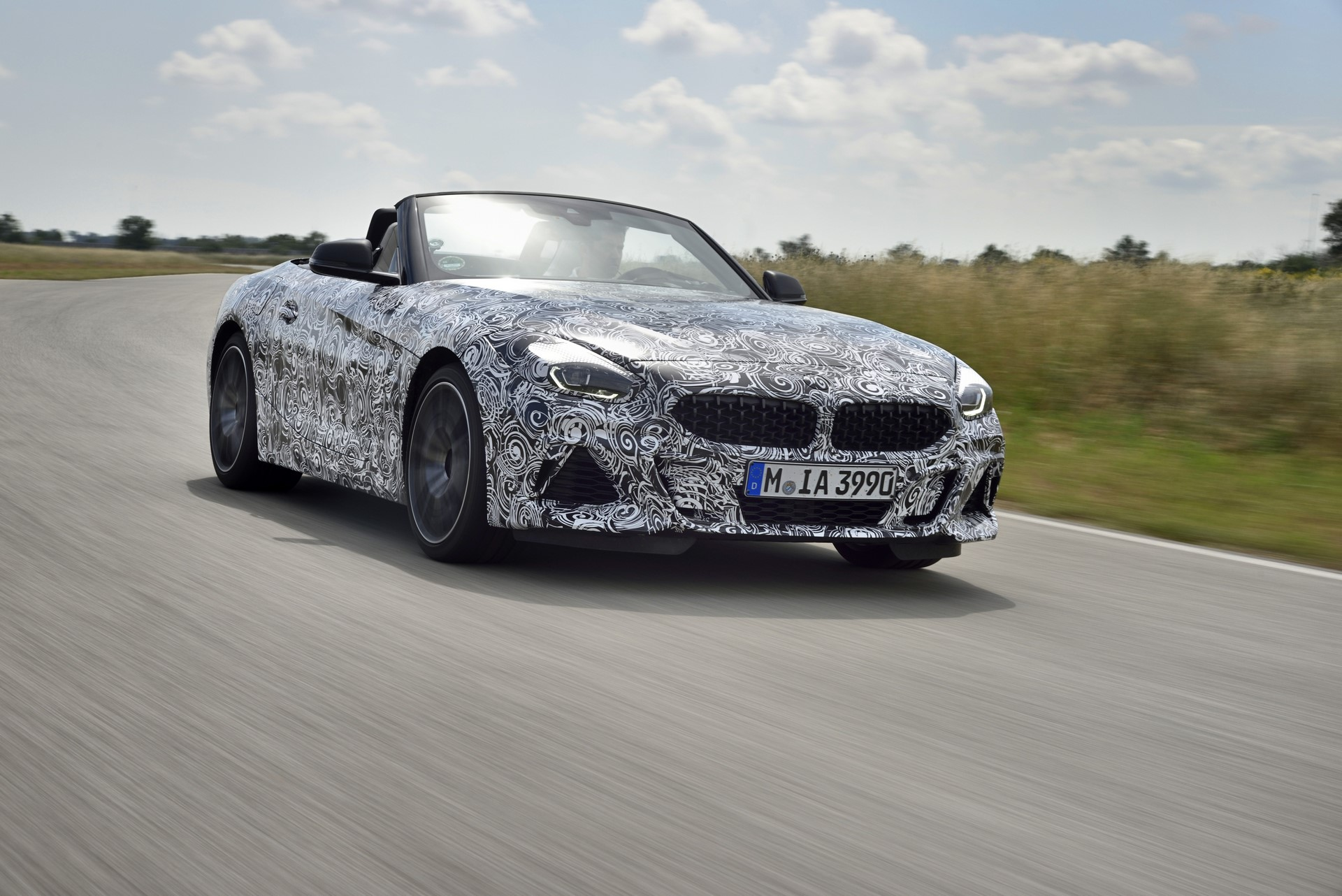 BMW Z4 M40i 2019 official spy photos (23)
