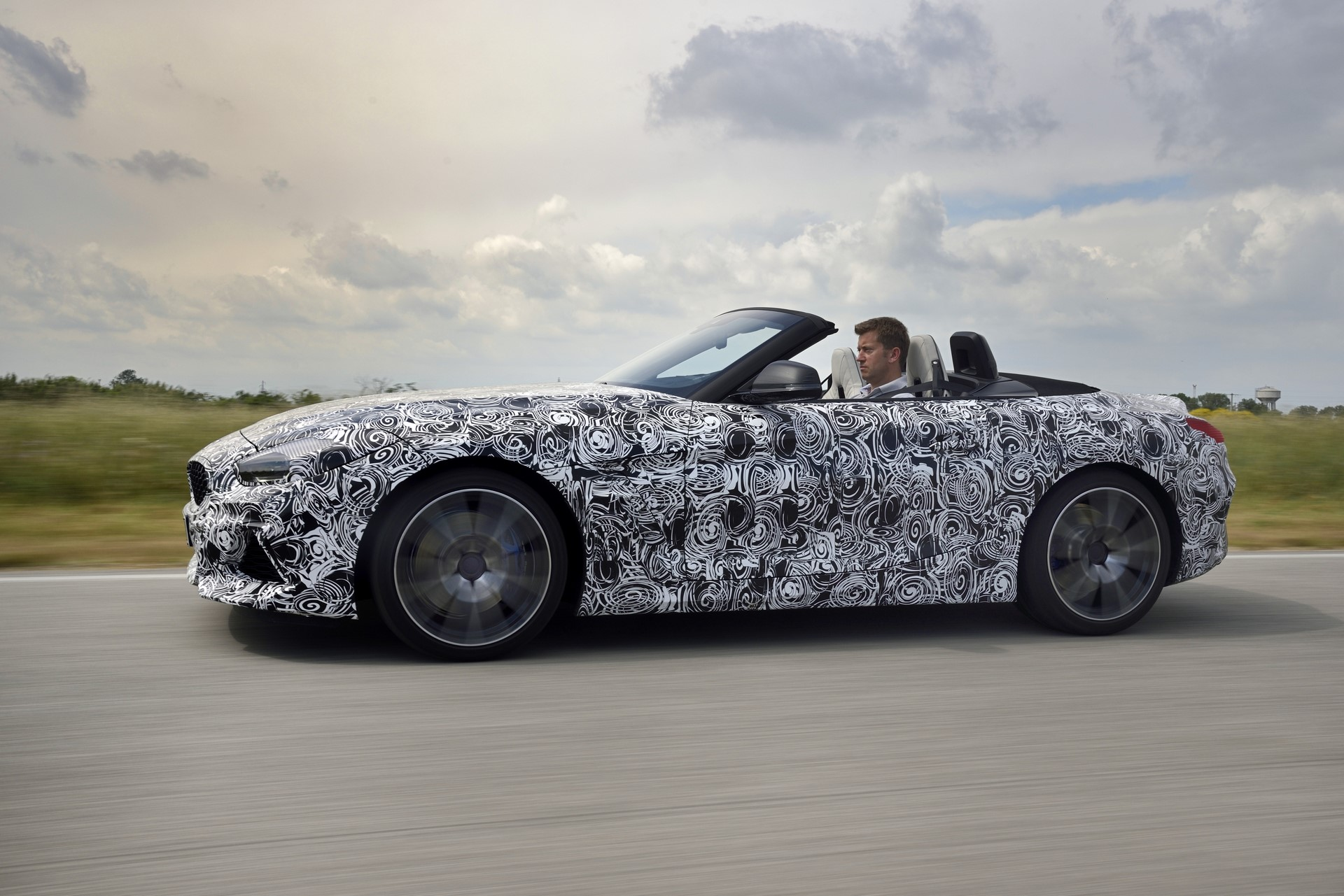 BMW Z4 M40i 2019 official spy photos (24)
