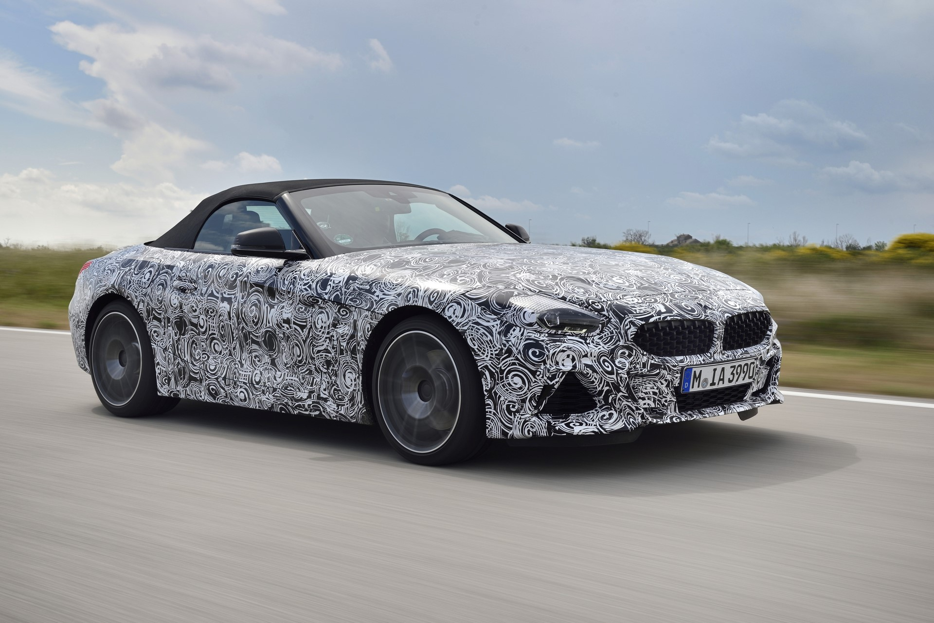 BMW Z4 M40i 2019 official spy photos (25)