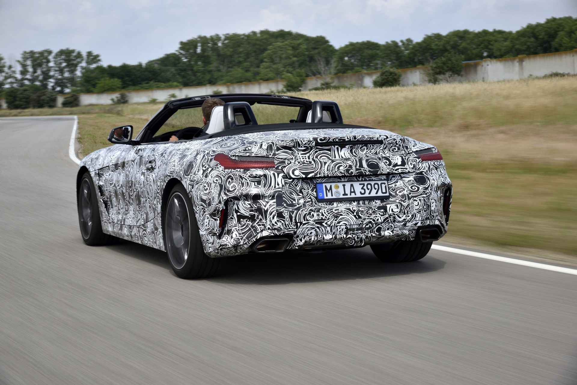 BMW Z4 M40i 2019 official spy photos (28)
