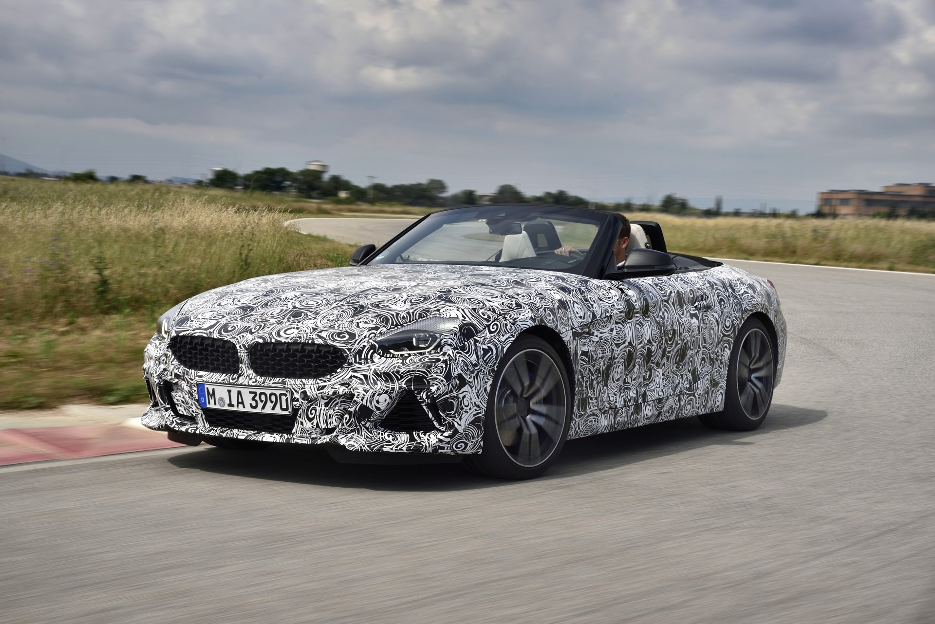 BMW Z4 M40i 2019 official spy photos (29)
