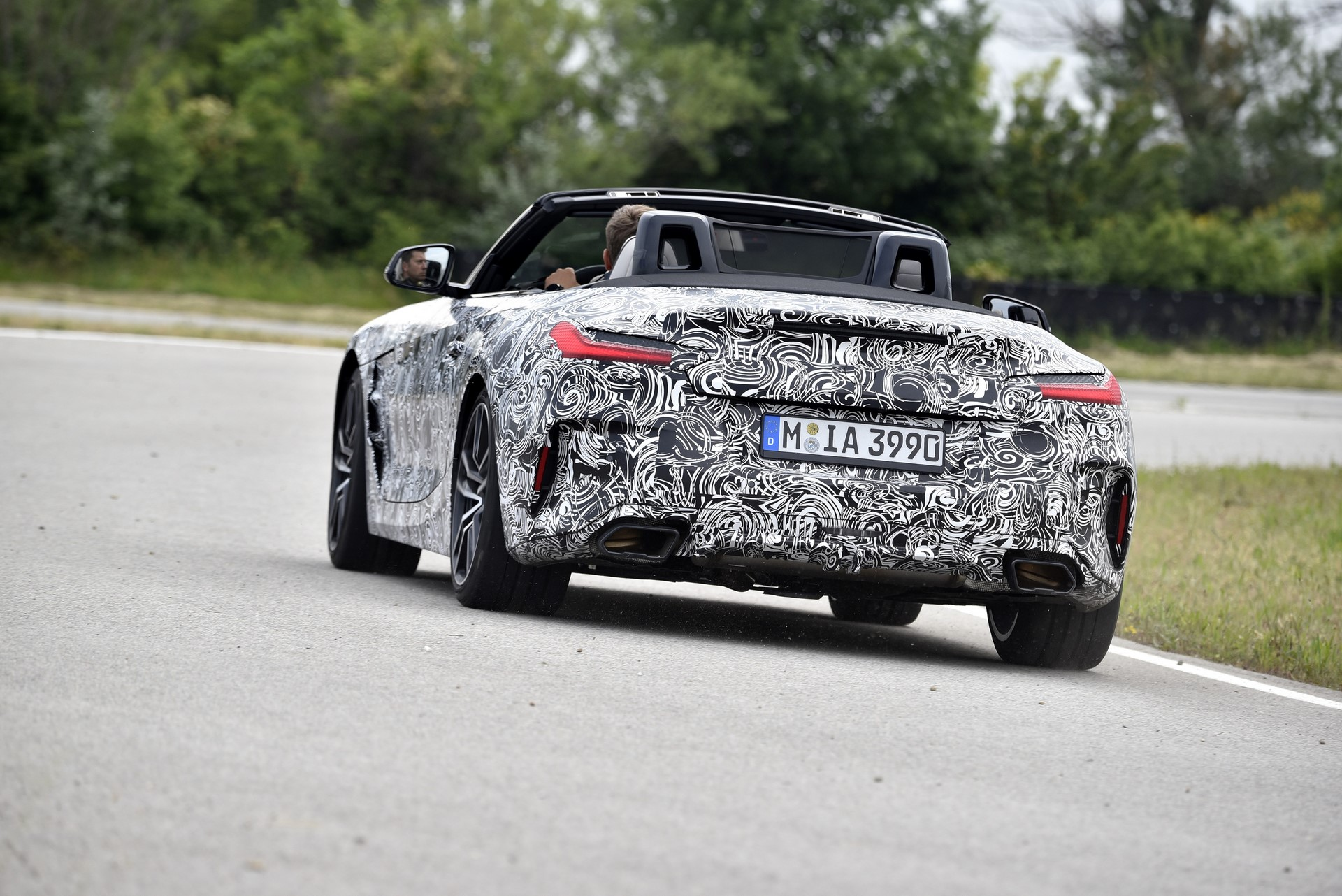 BMW Z4 M40i 2019 official spy photos (3)