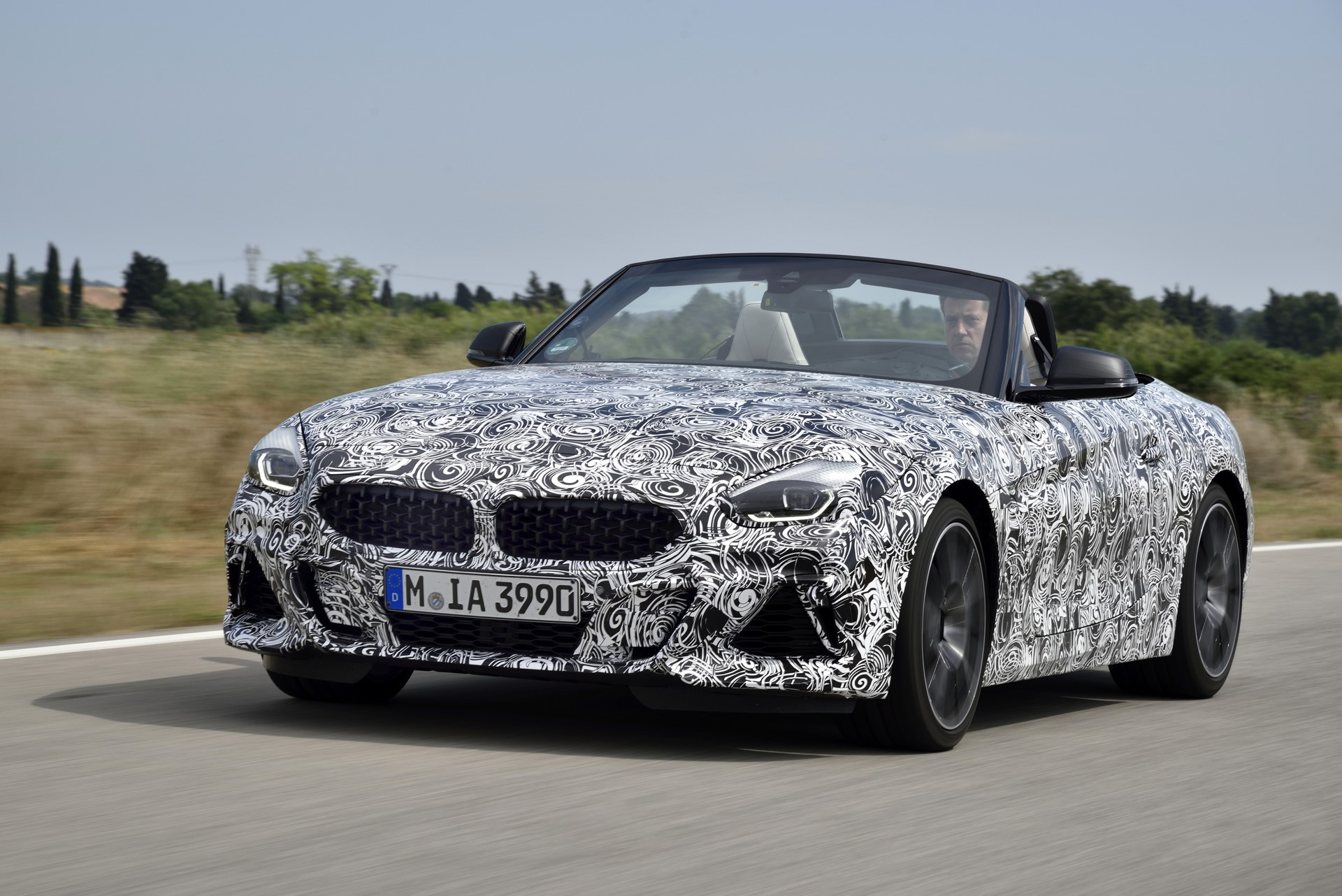 BMW Z4 M40i 2019 official spy photos (30)