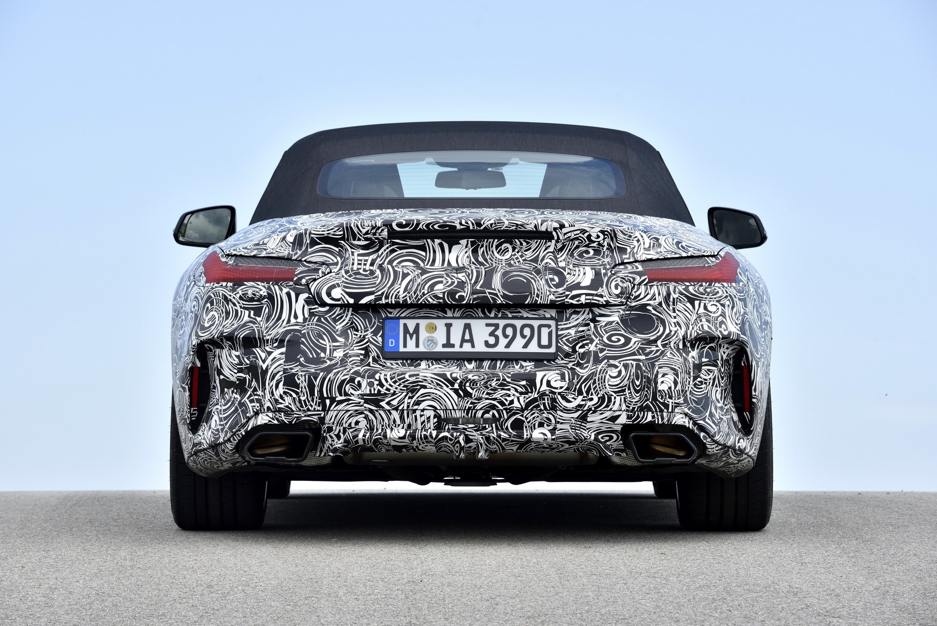 BMW Z4 M40i 2019 official spy photos (32)