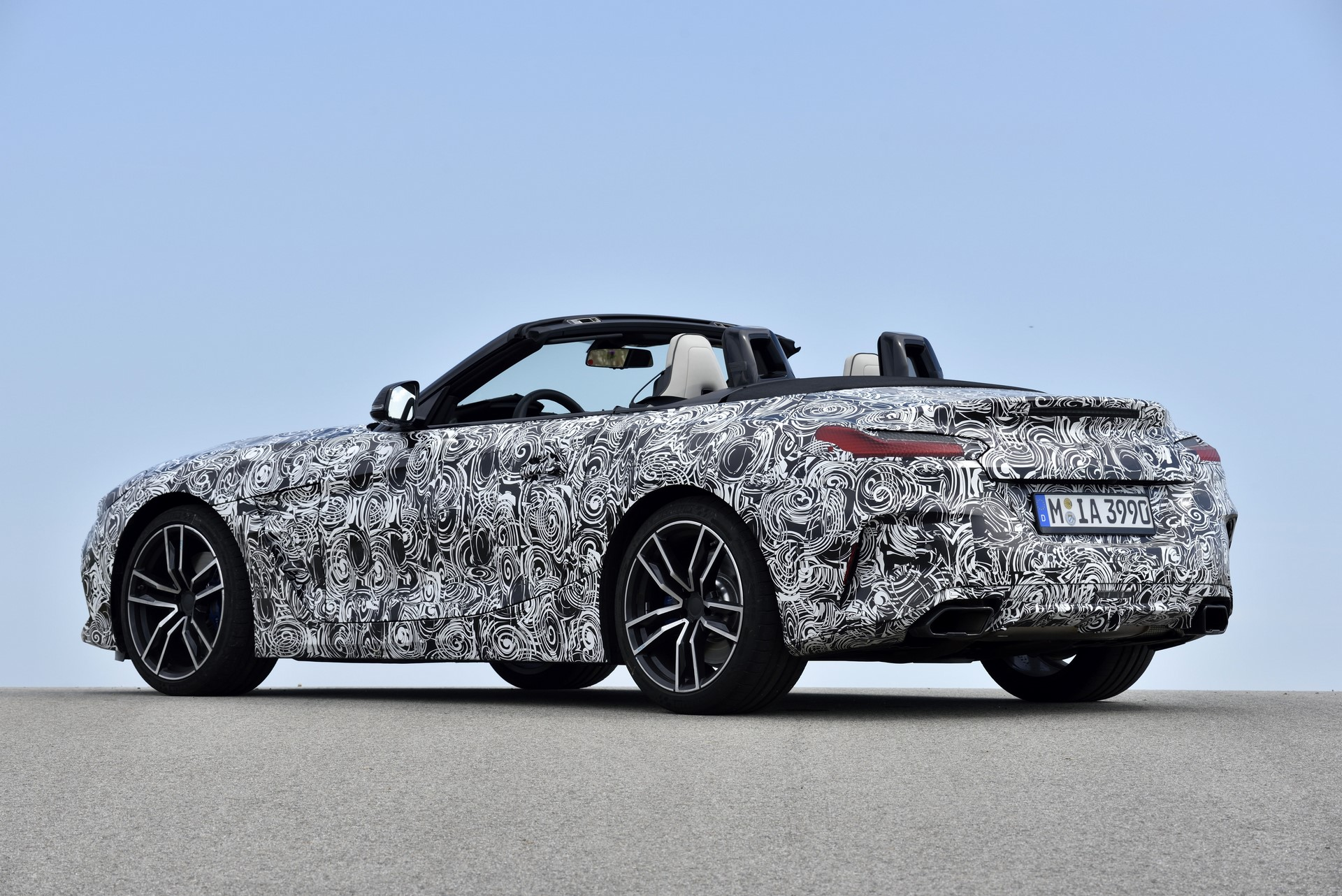 BMW Z4 M40i 2019 official spy photos (34)