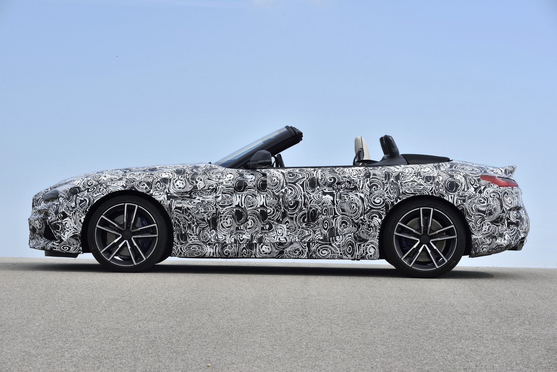 BMW Z4 M40i 2019 official spy photos (35)