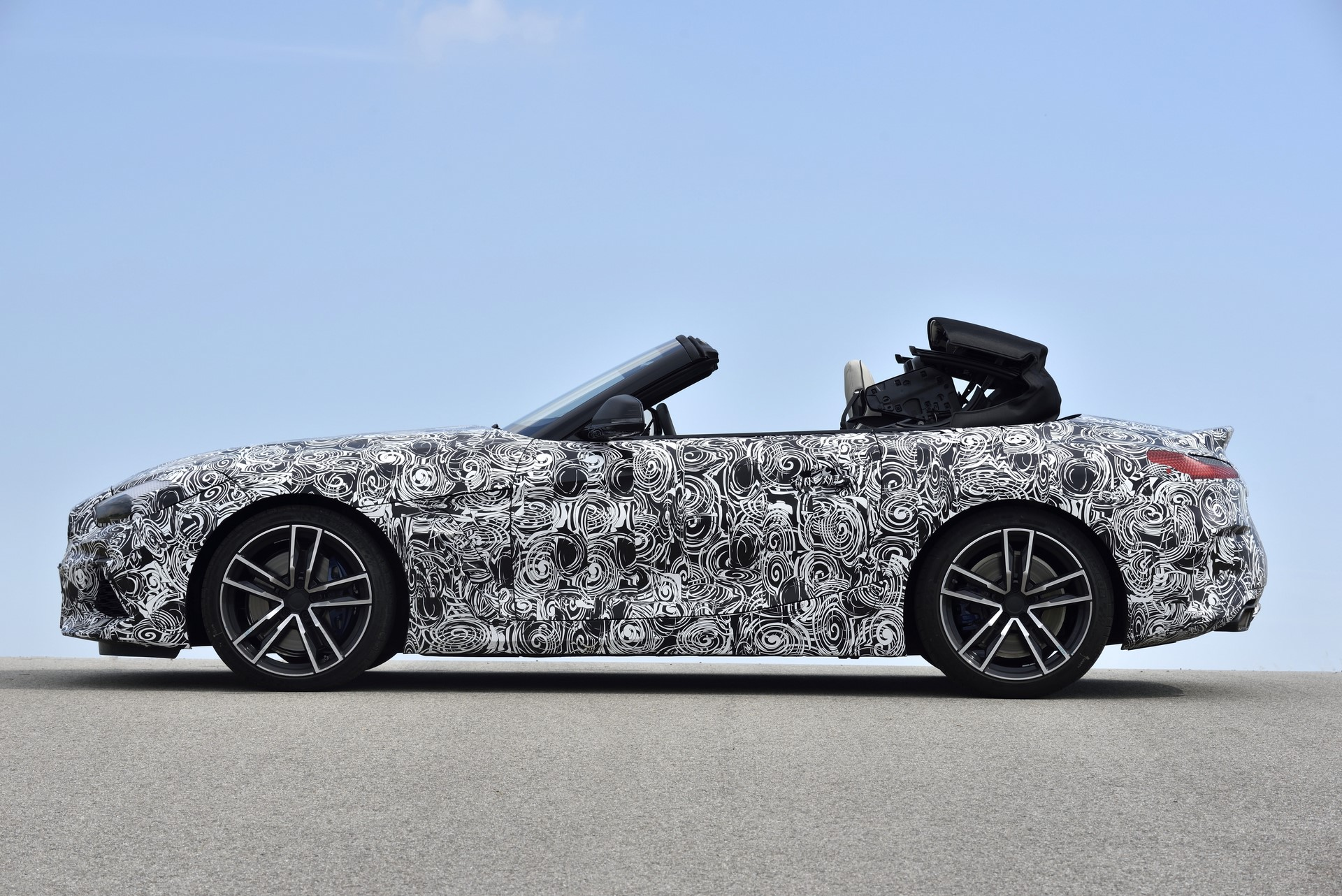 BMW Z4 M40i 2019 official spy photos (36)