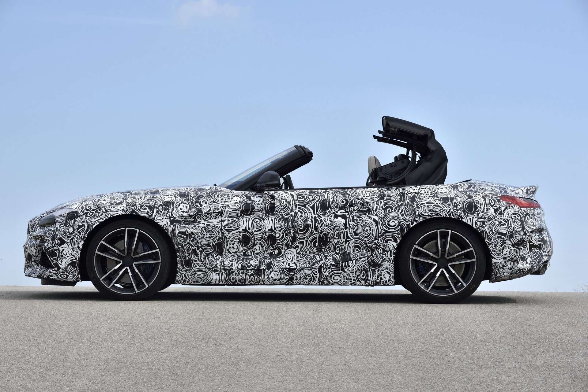 BMW Z4 M40i 2019 official spy photos (37)