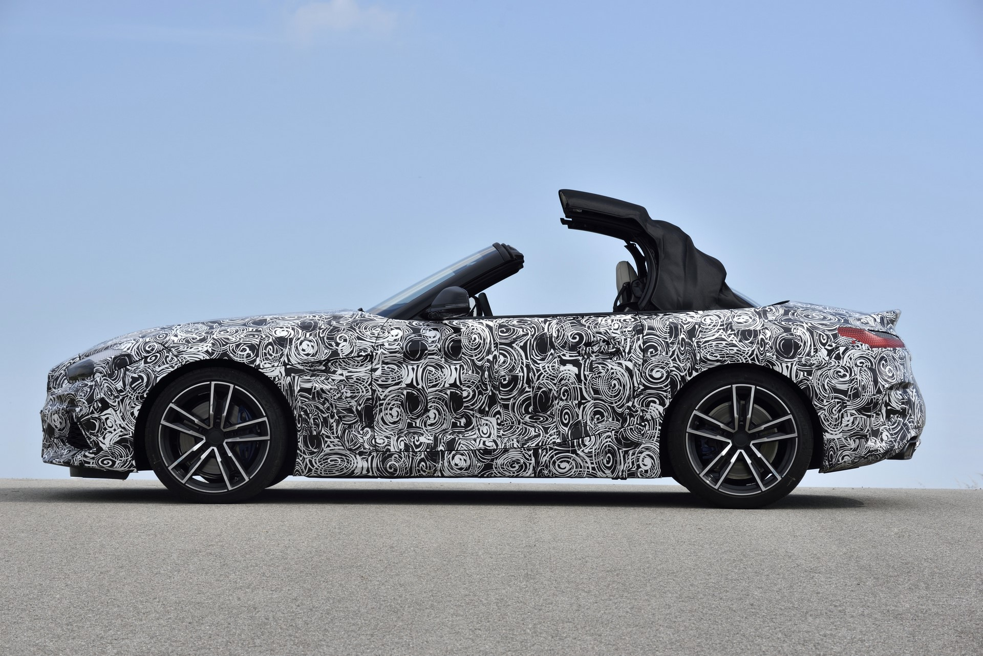 BMW Z4 M40i 2019 official spy photos (38)