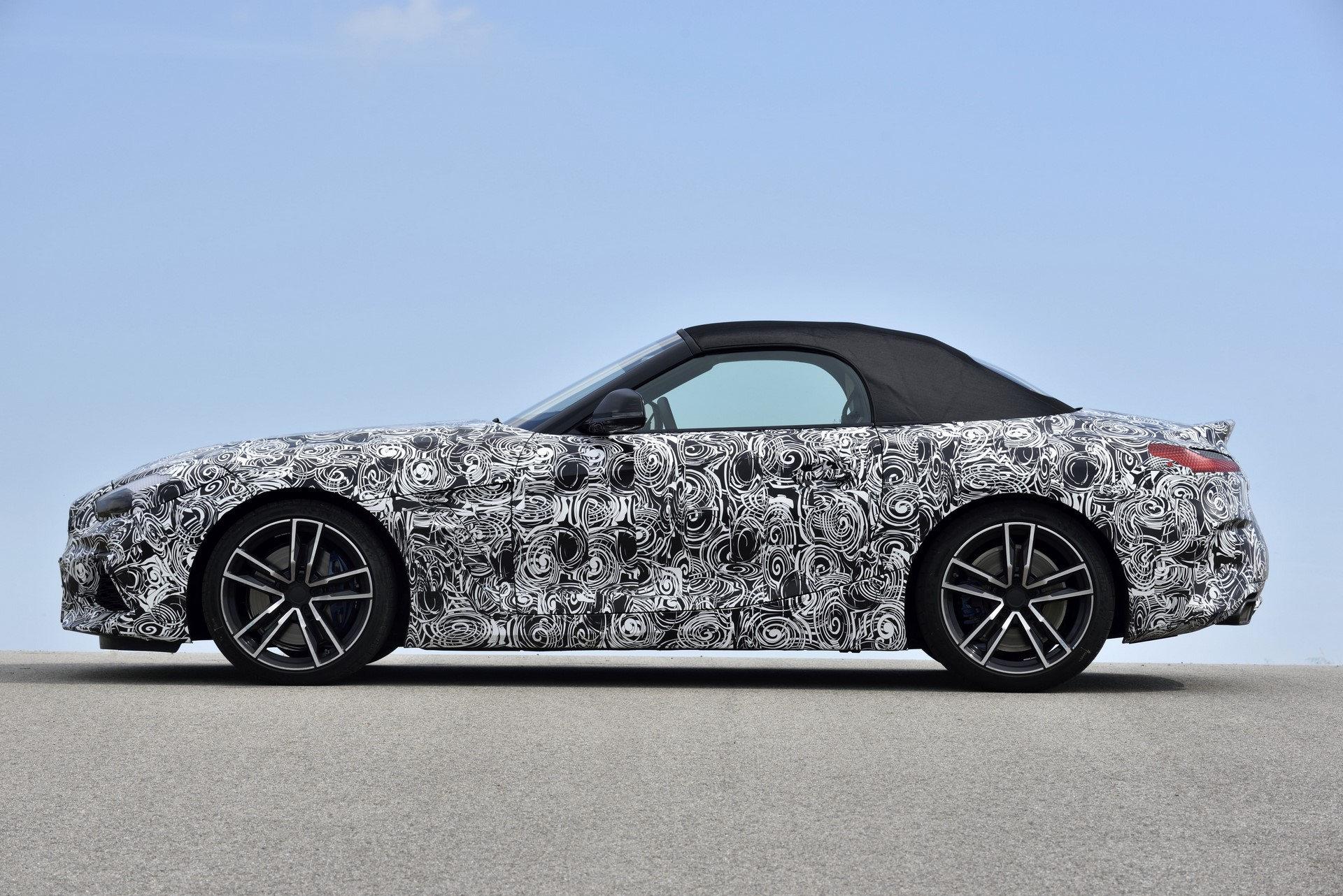 BMW Z4 M40i 2019 official spy photos (39)