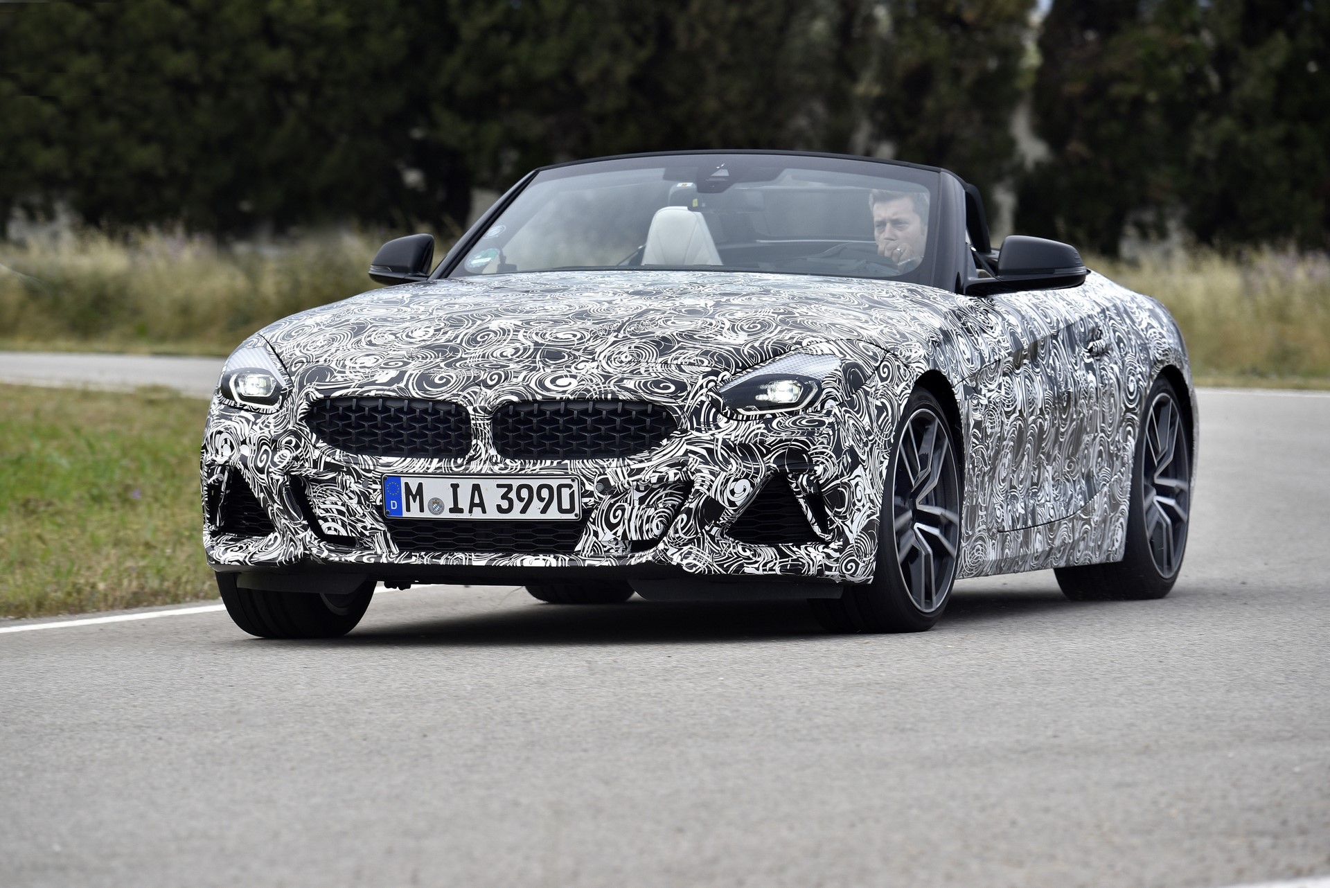 BMW Z4 M40i 2019 official spy photos (4)