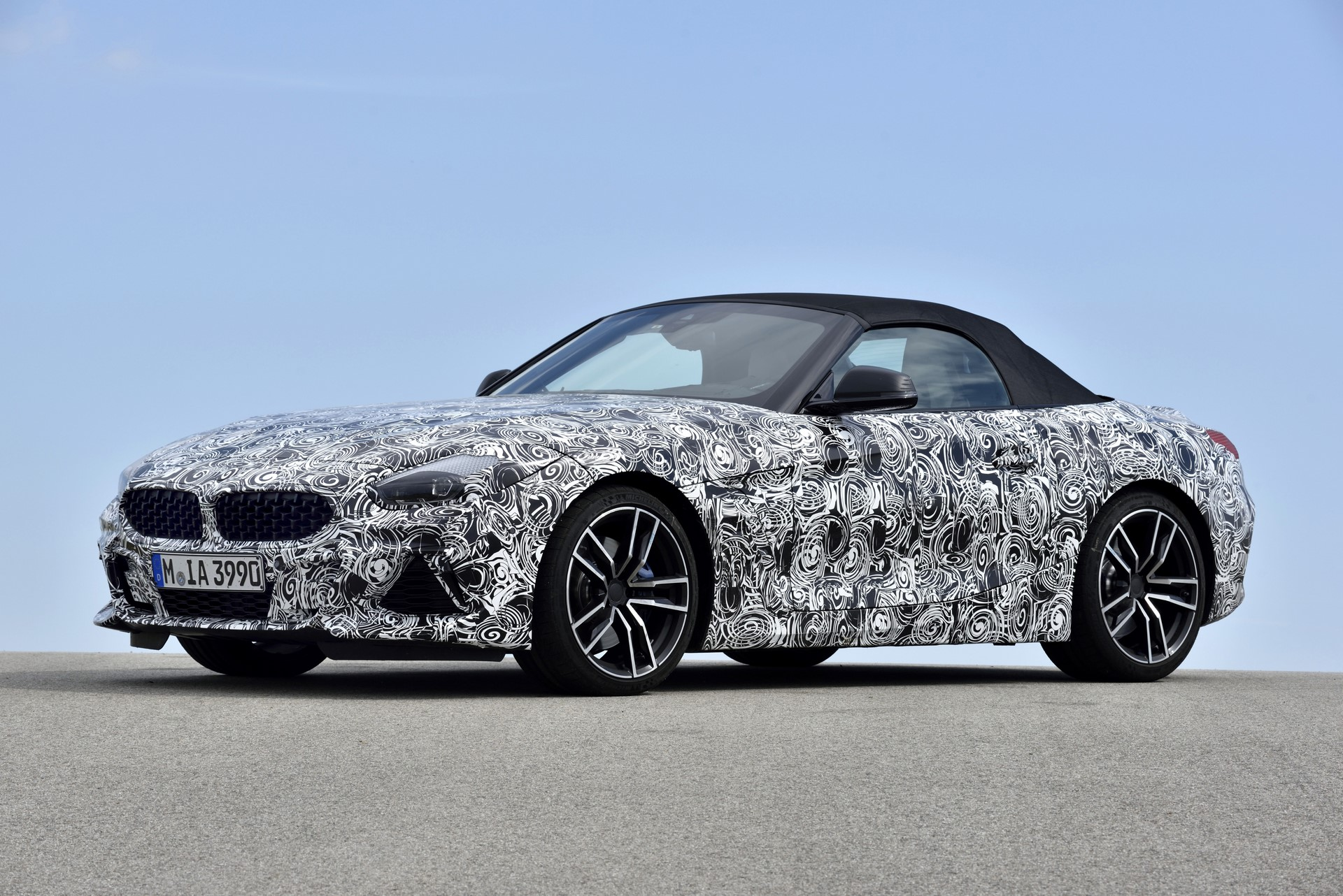 BMW Z4 M40i 2019 official spy photos (40)