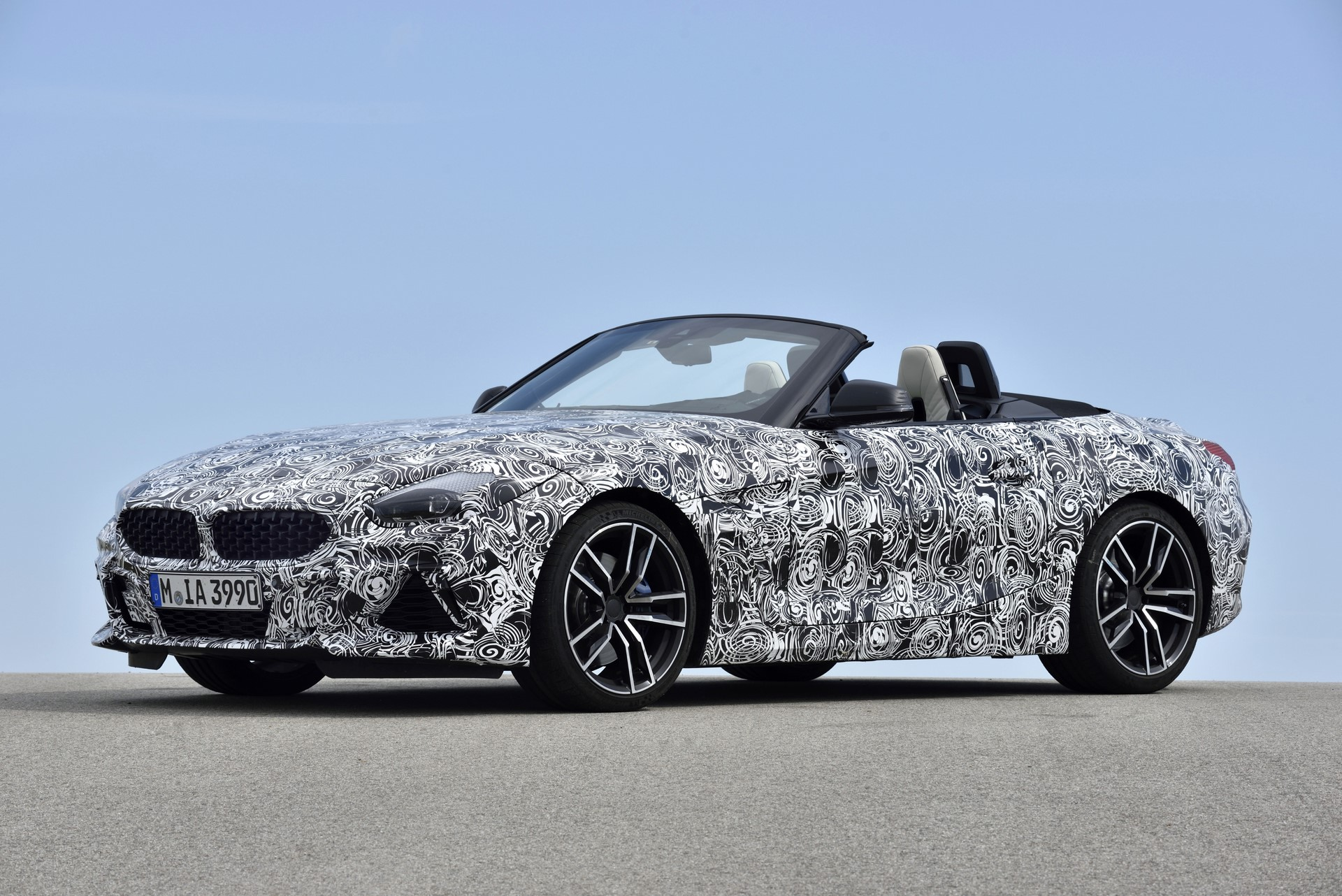 BMW Z4 M40i 2019 official spy photos (41)