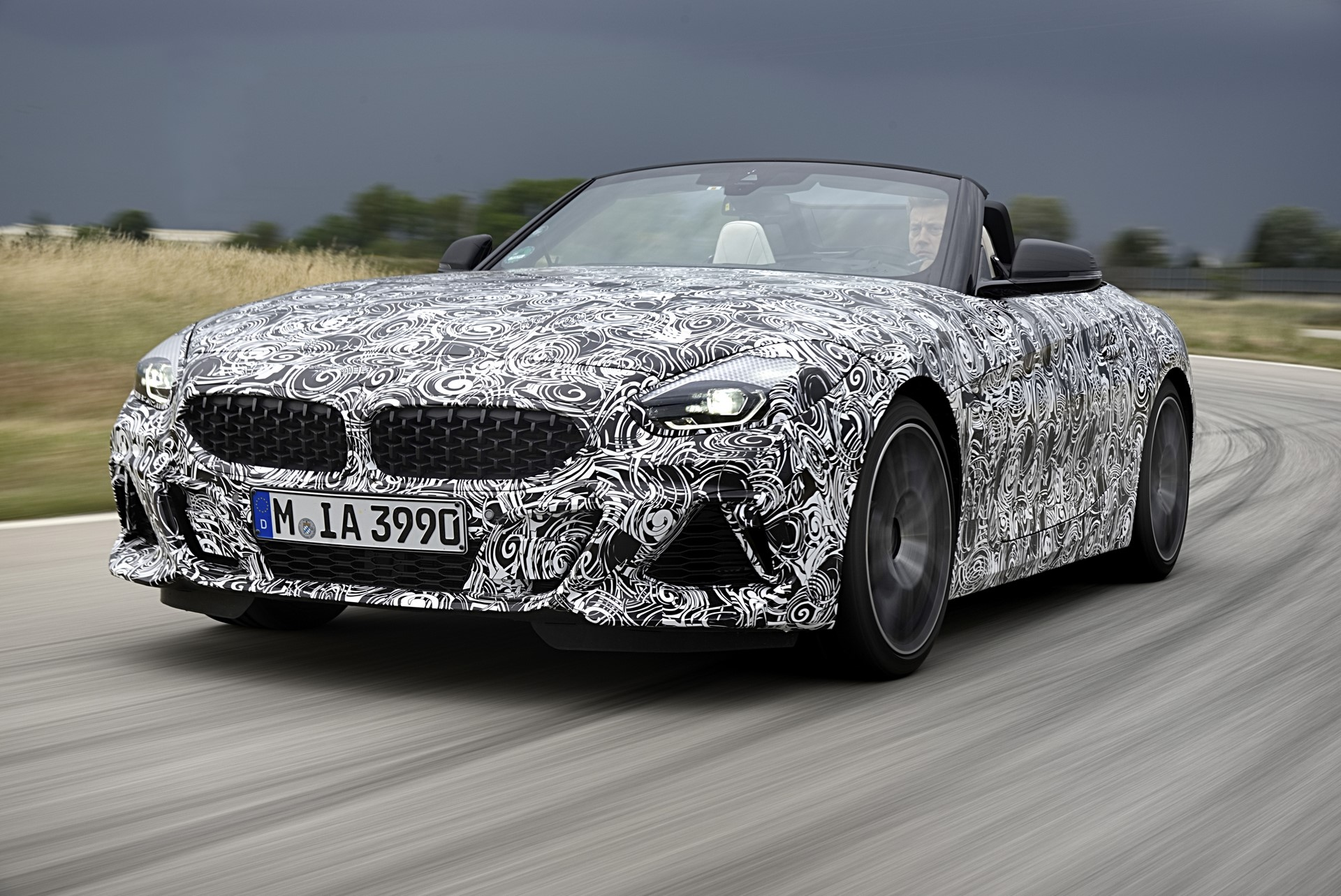 BMW Z4 M40i 2019 official spy photos (7)