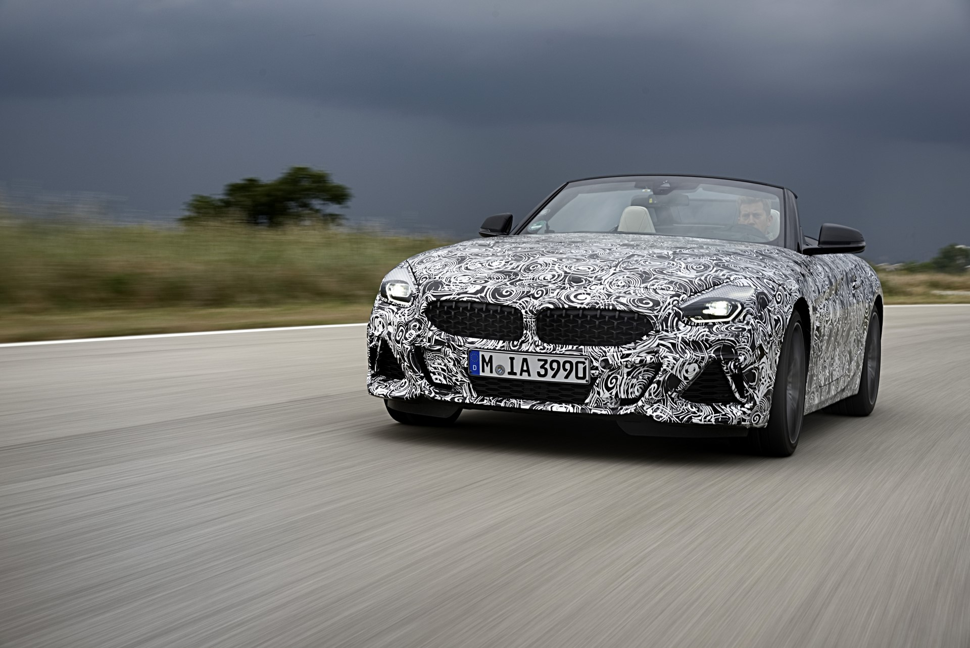BMW Z4 M40i 2019 official spy photos (8)