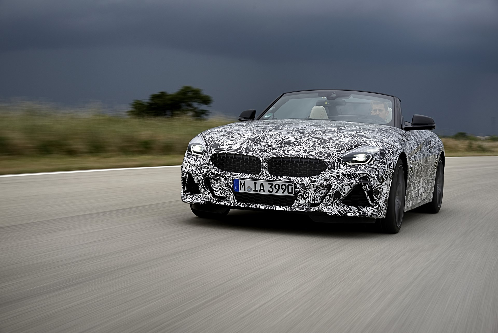 BMW Z4 M40i 2019 official spy photos (9)