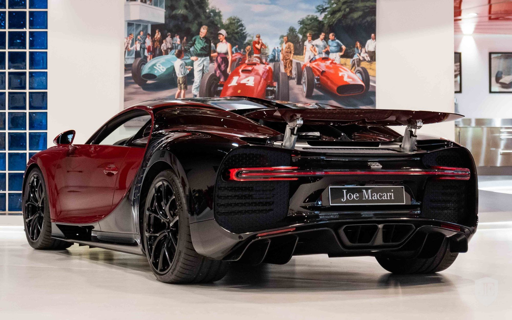Bugatti_Chiron_for_sale_0001