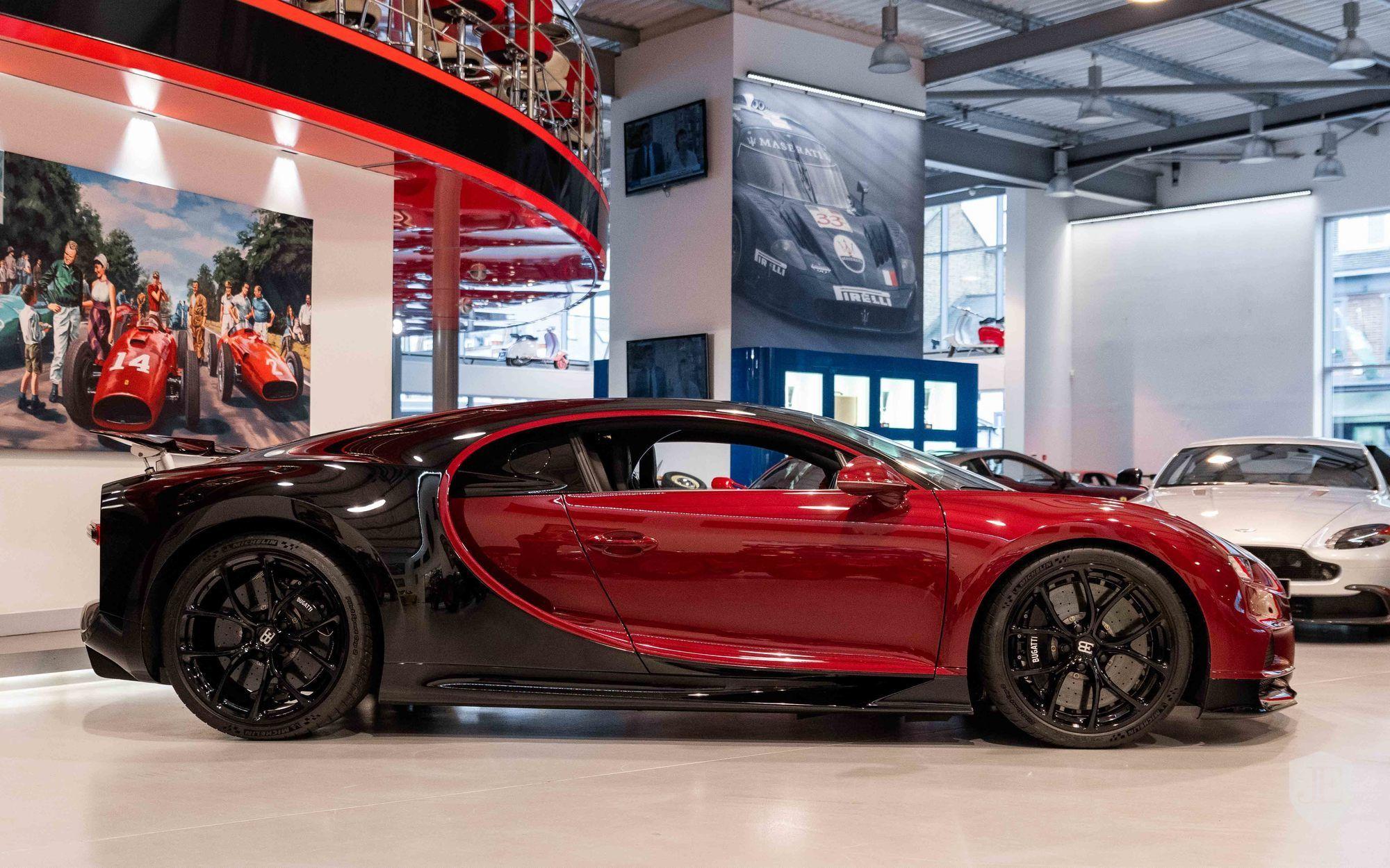 Bugatti_Chiron_for_sale_0007