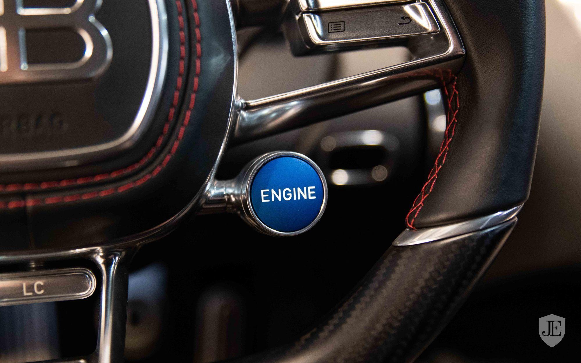 Bugatti_Chiron_for_sale_0008