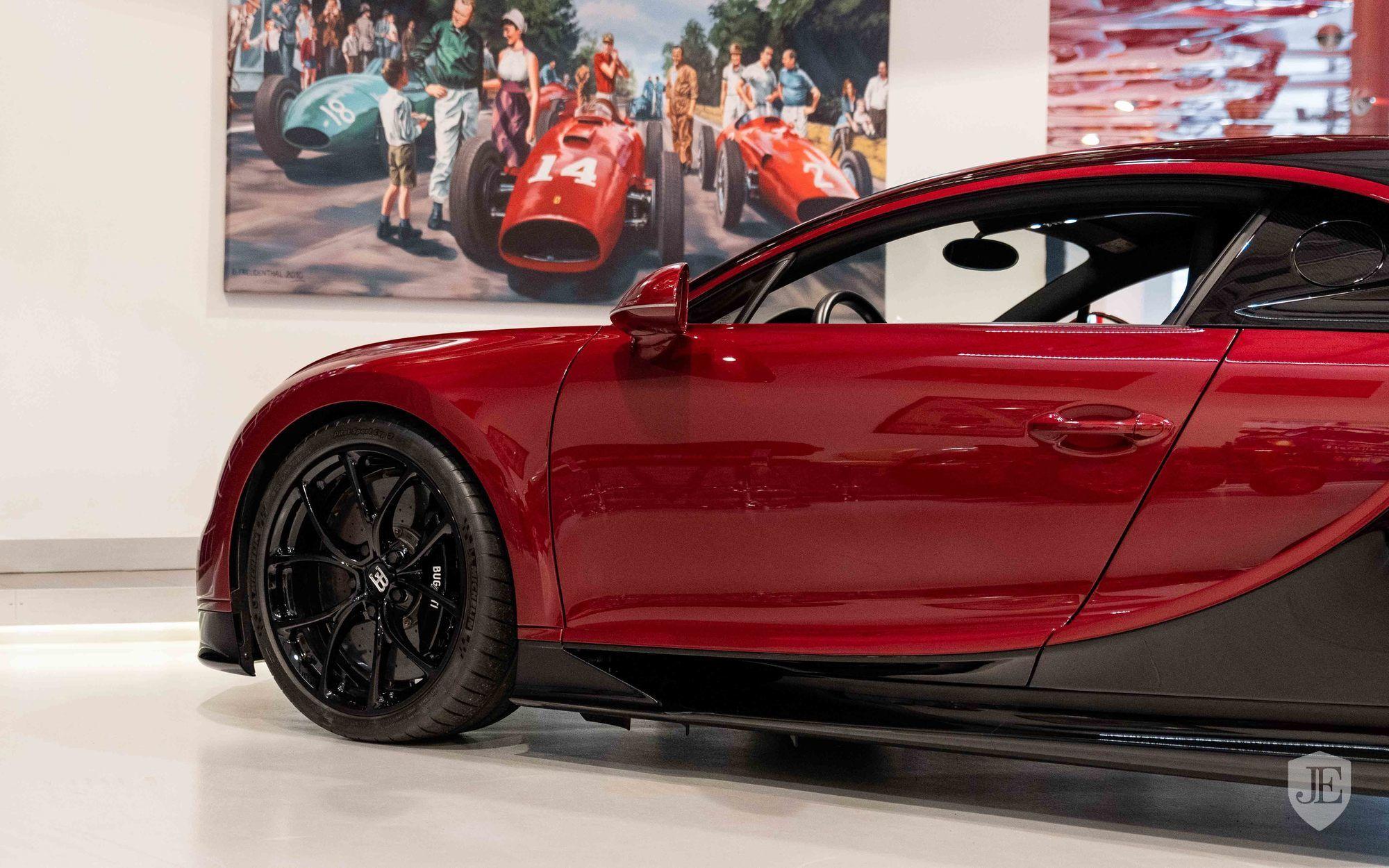 Bugatti_Chiron_for_sale_0009