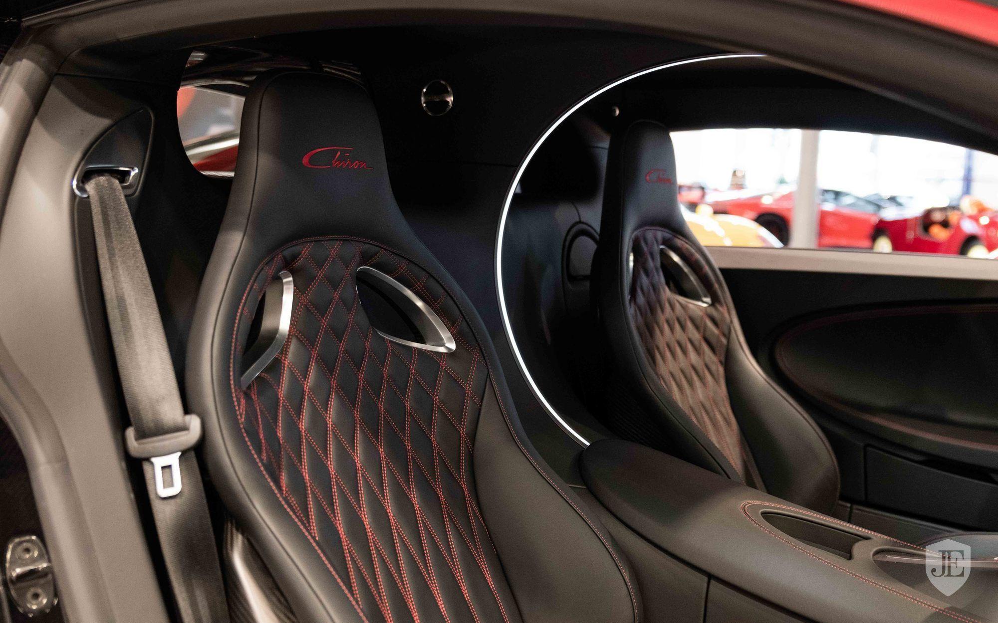 Bugatti_Chiron_for_sale_0010