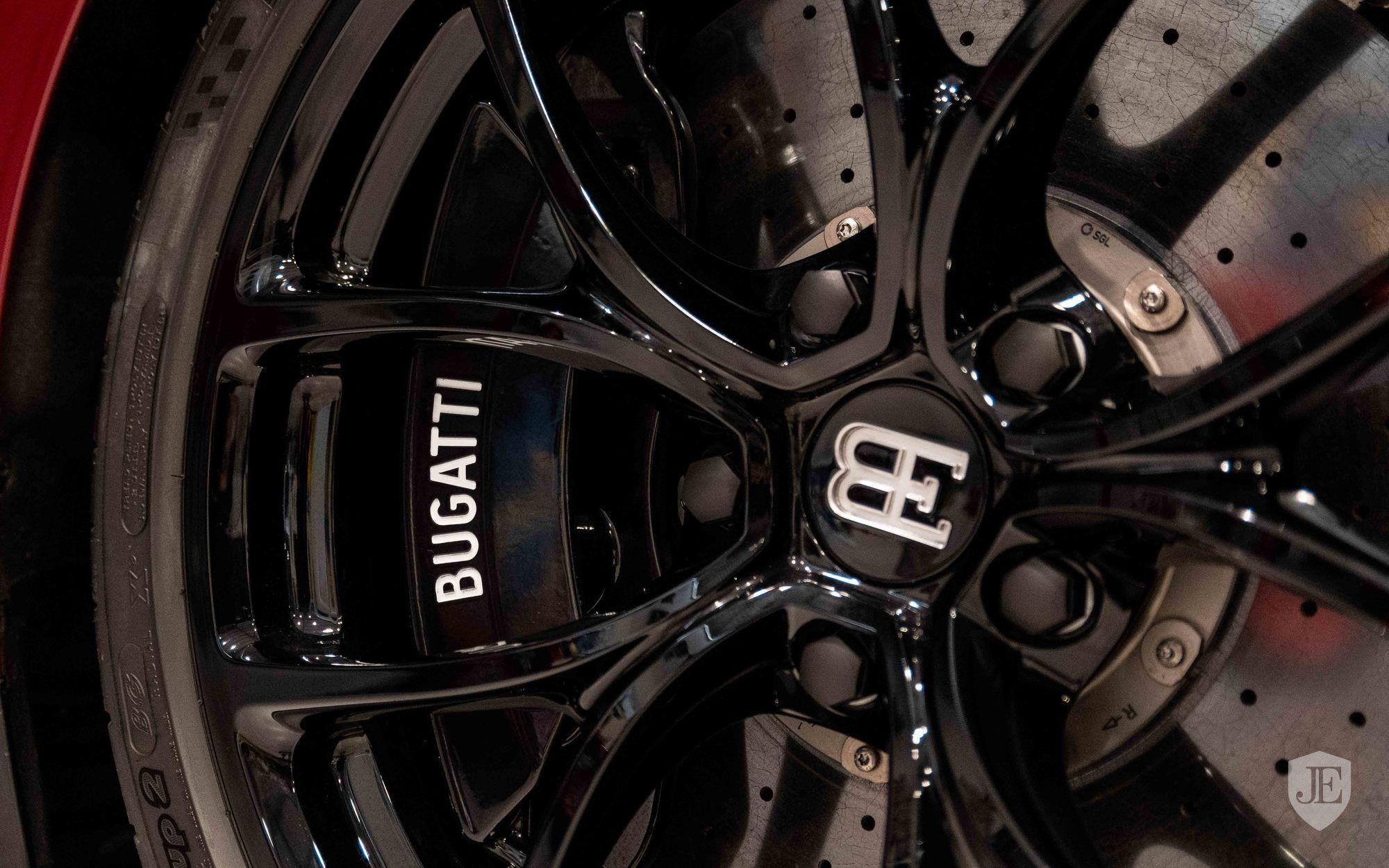 Bugatti_Chiron_for_sale_0011