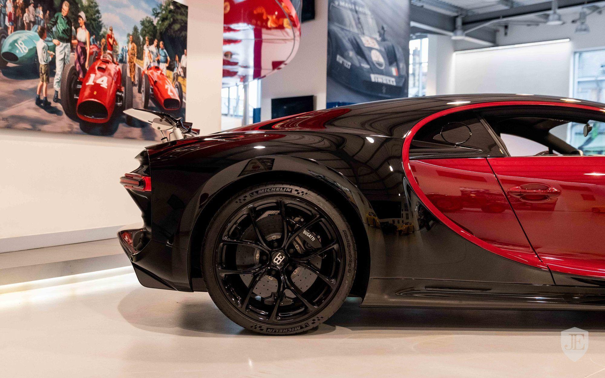 Bugatti_Chiron_for_sale_0013