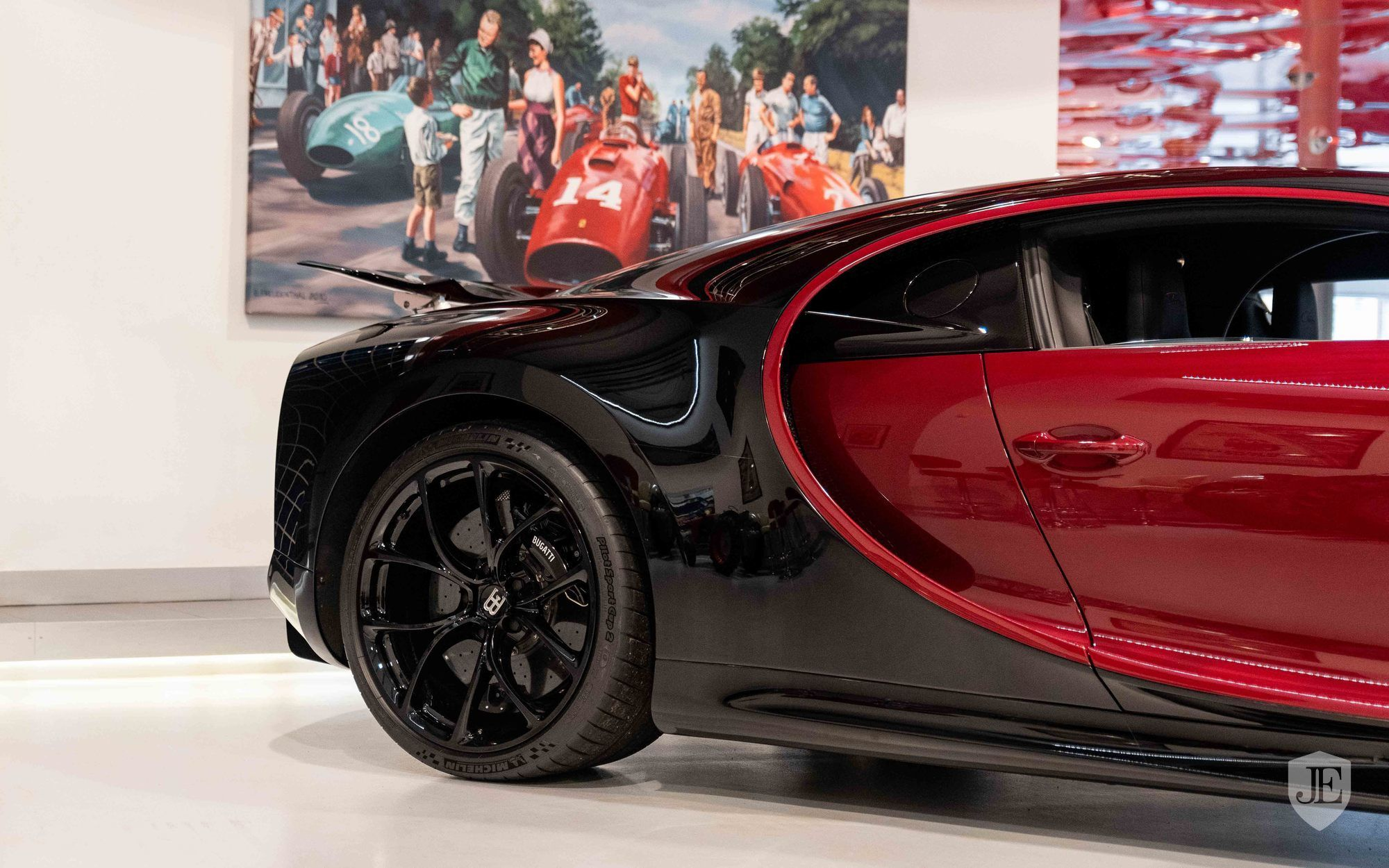 Bugatti_Chiron_for_sale_0014